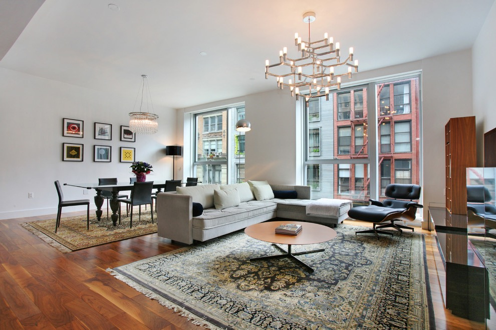 Middle Eastern Inspired Apartment Living Room And Dining Combo With Persian  Rug (Photo 11 Of