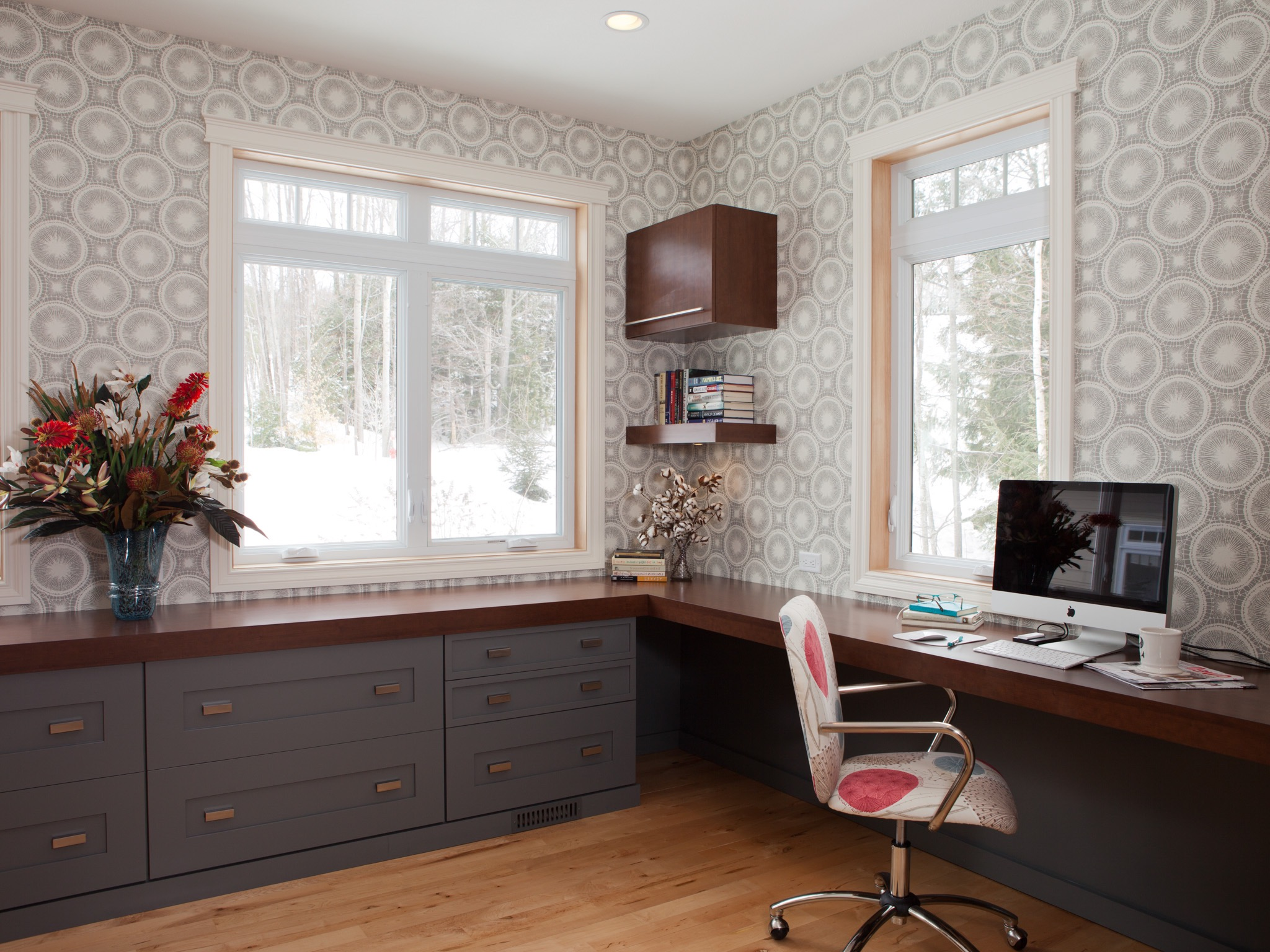 Minimalist Home Office With Filing Cabinets (Image 26 of 50)