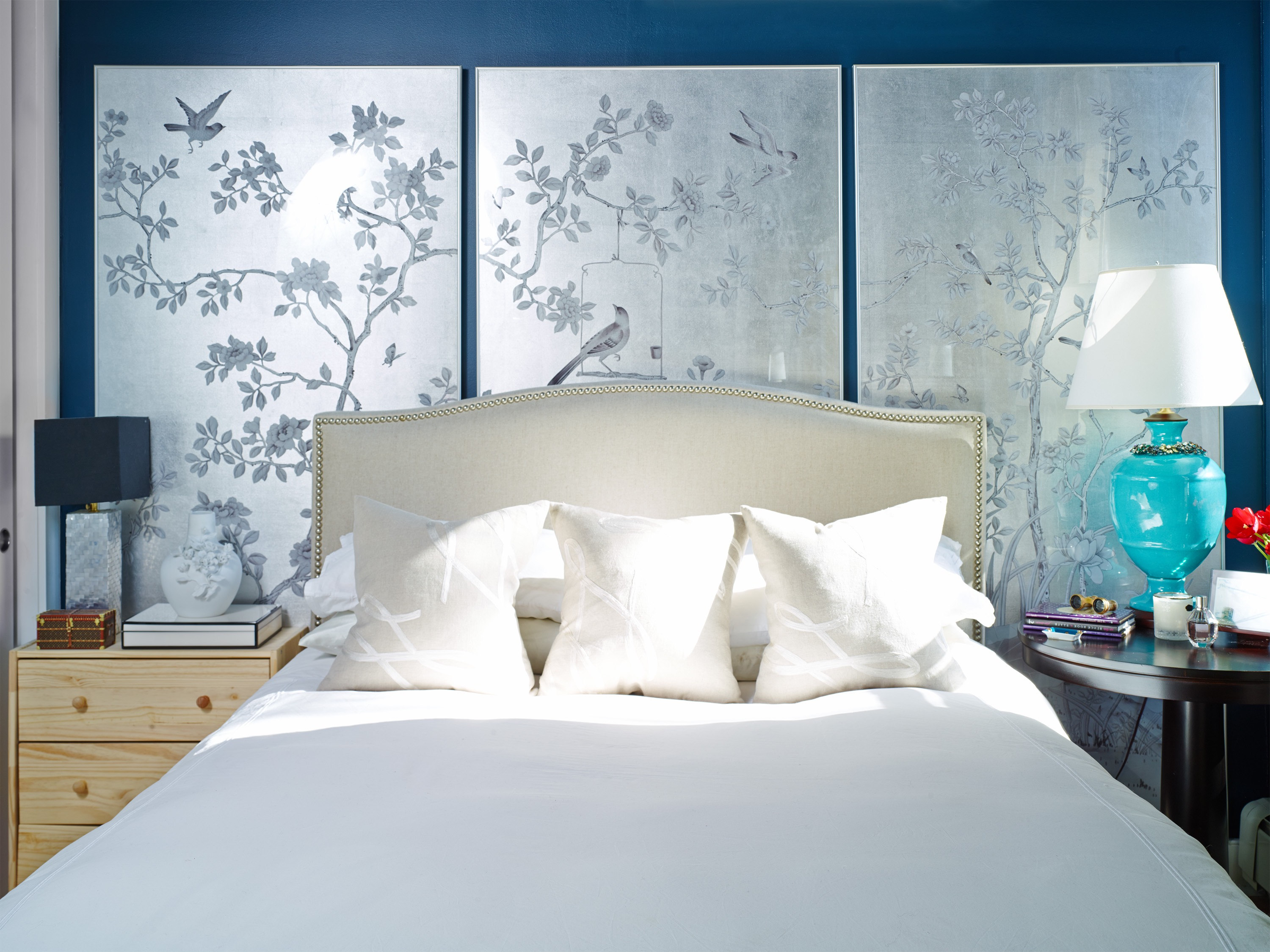 Modern Apartment Bedroom With Framed Hand Painted Wallpaper Panels Line (Image 13 of 19)