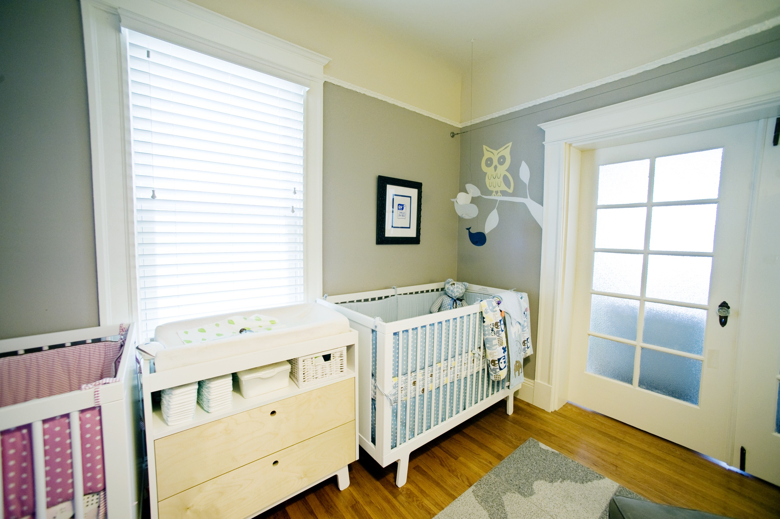 Modern Baby Room For Twins With Adorable Owl Artwork (Image 19 of 33)