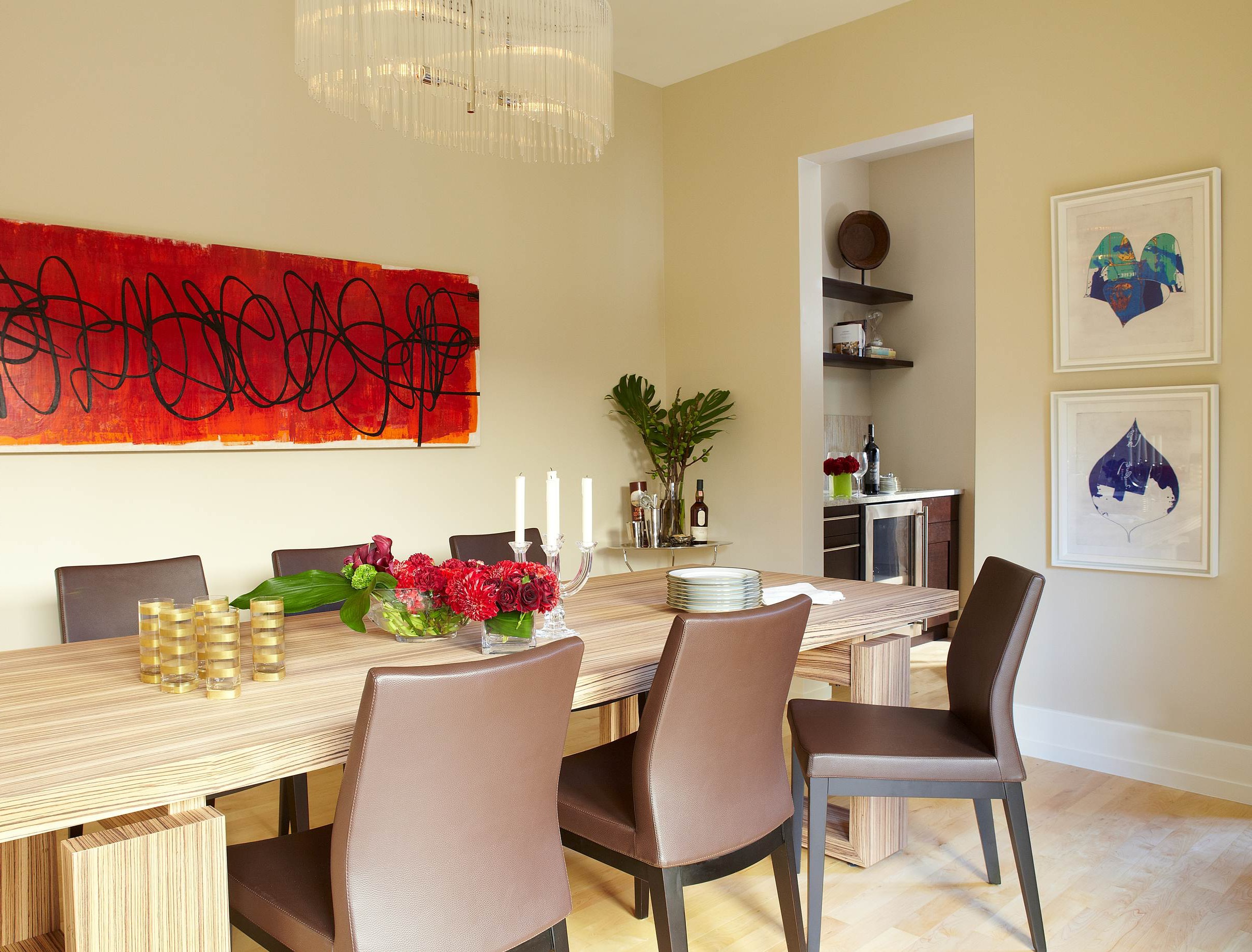 Modern Dining Room With Beauty Vibrant Artwork (Image 15 of 30)
