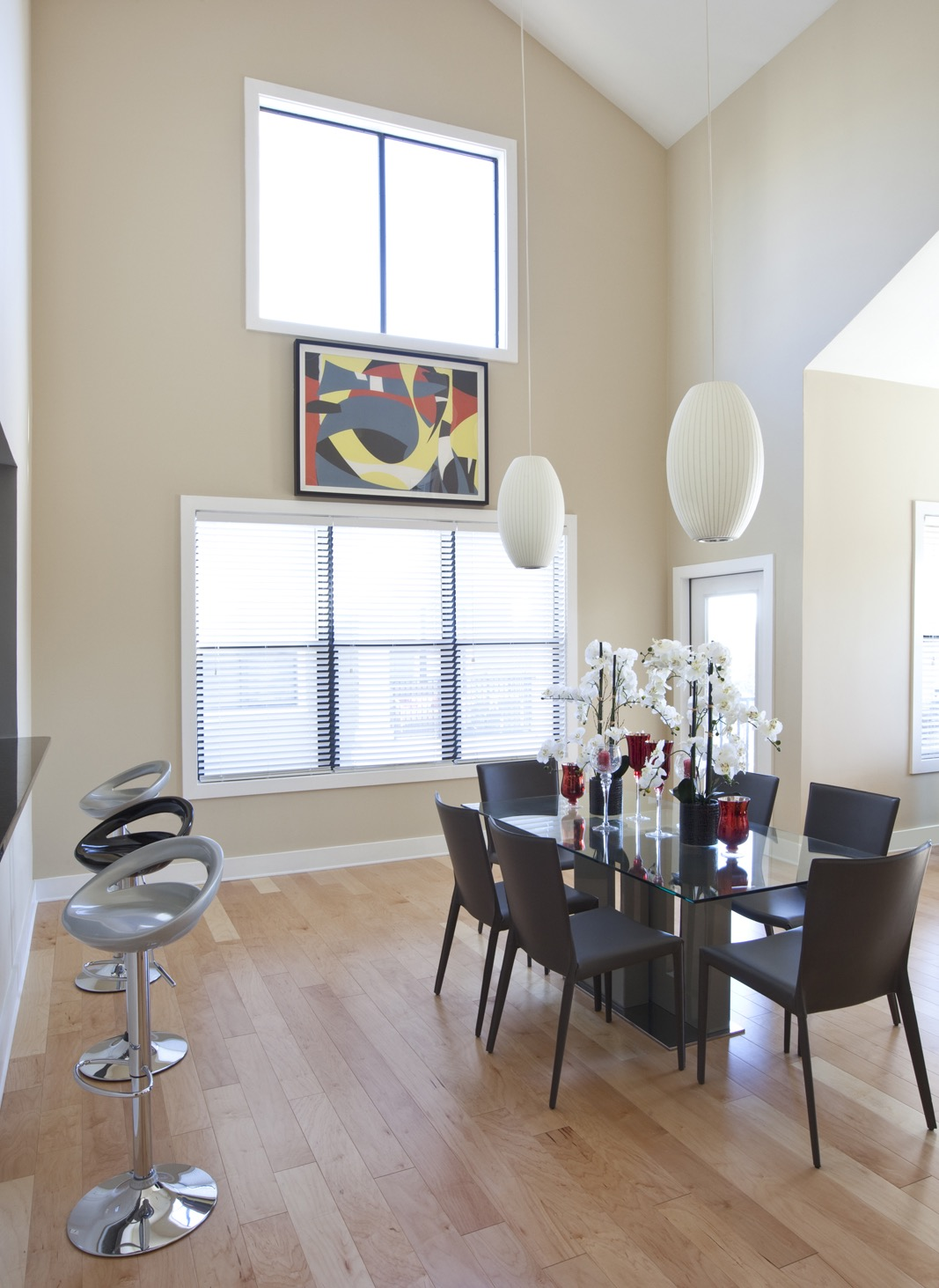 Modern Dining Room With Natural Light (View 26 of 32)