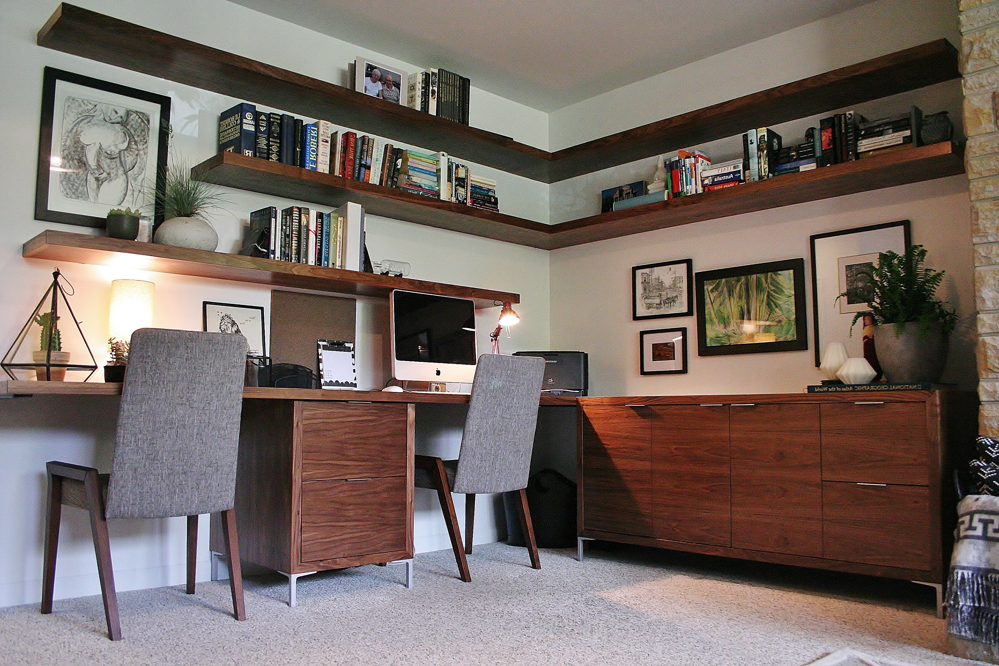 Modern Home Office With Floating Shelves (View 43 of 50)