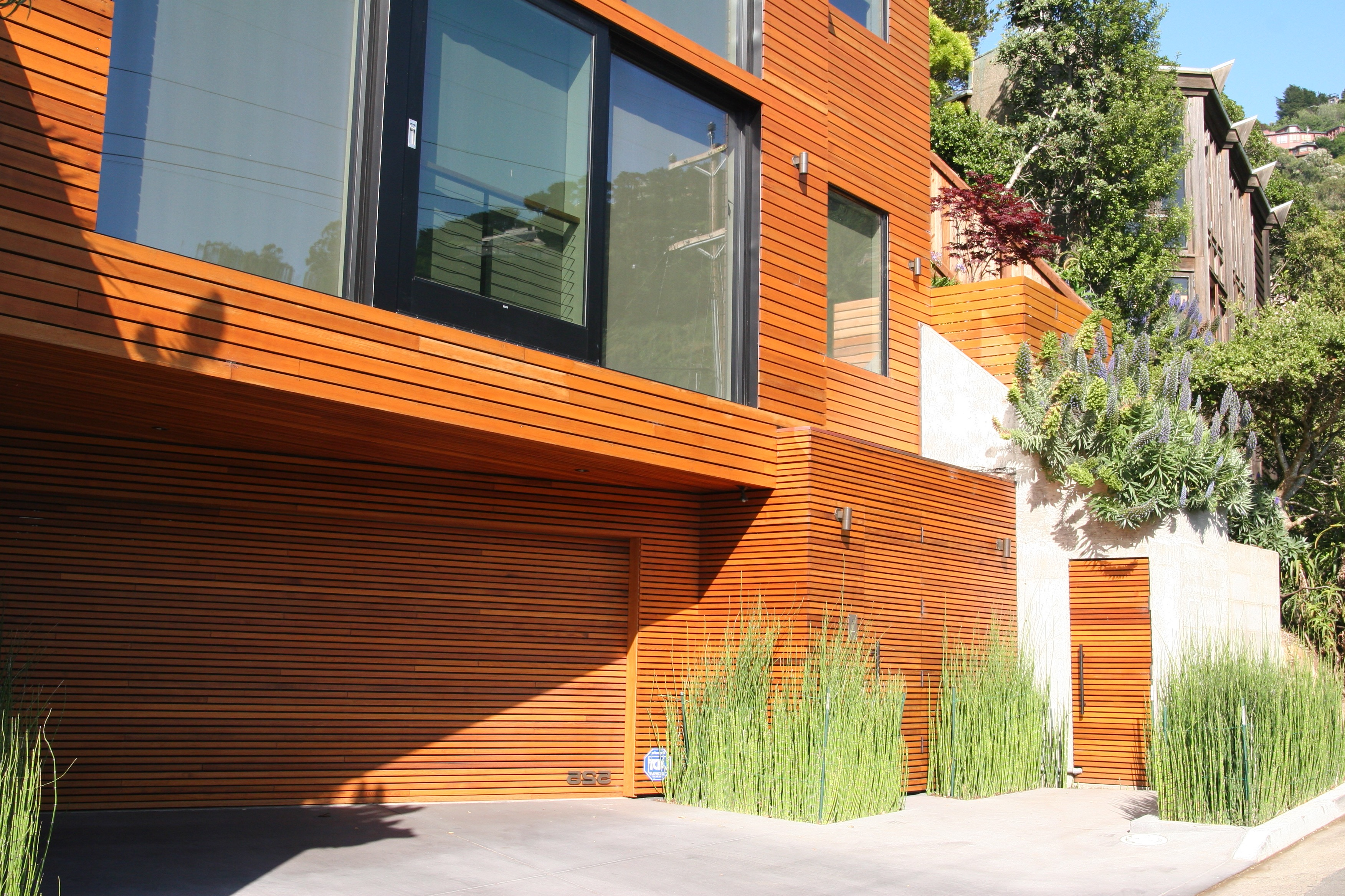 Modern Wood Garage Doors (Image 28 of 38)
