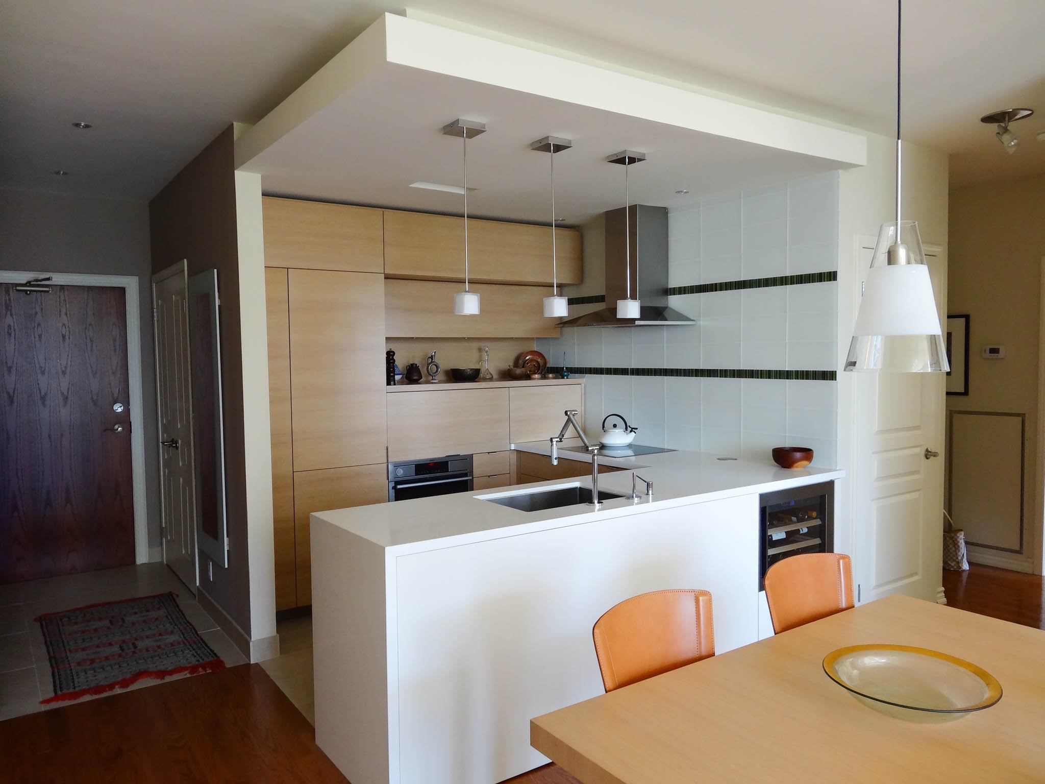 Small Kitchen With Modern Style (Image 12 of 24)