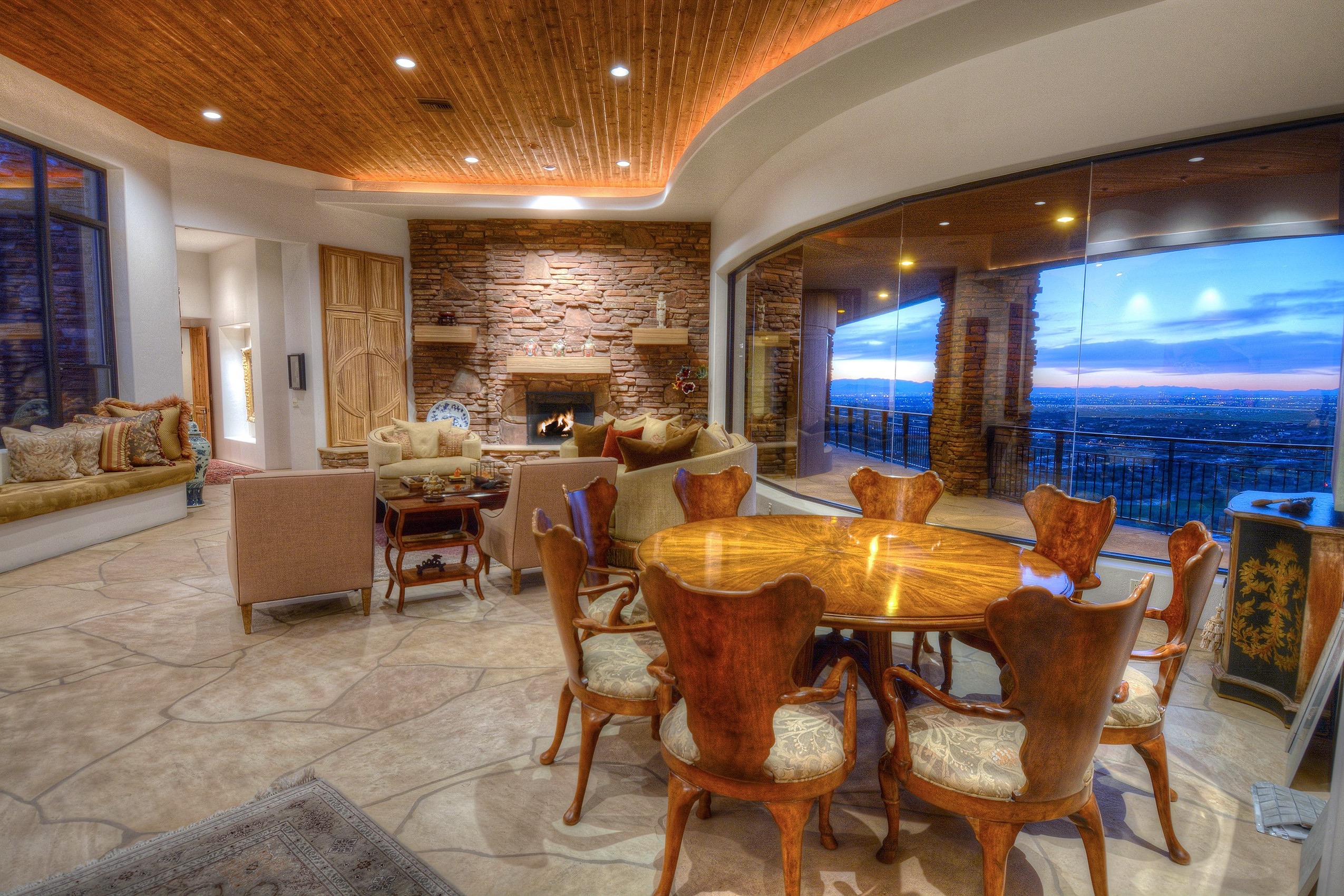 Southwestern Living And Dining Room Combo (Image 11 of 11)