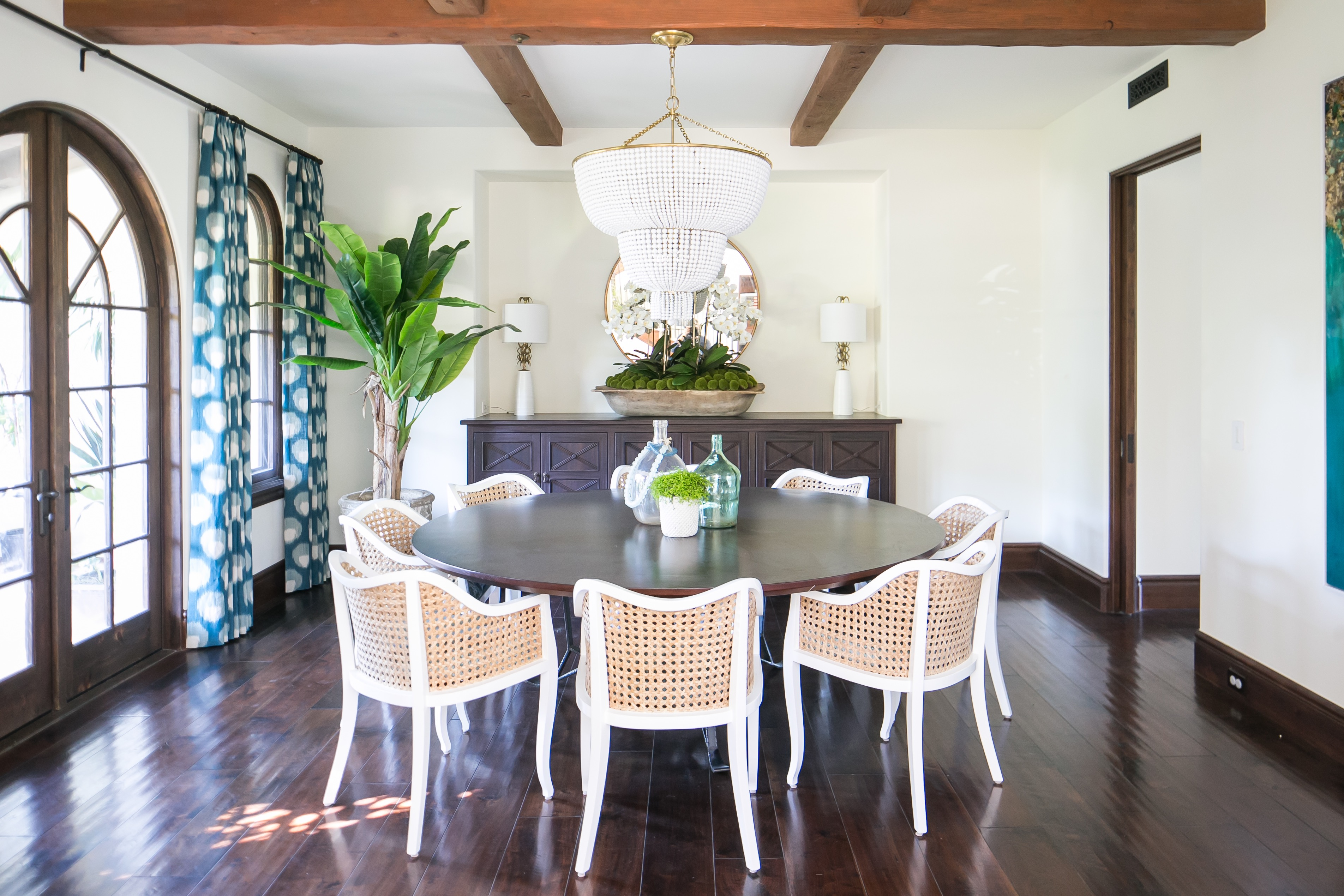 Tiered Chandelier For Formal Dining Room With Round Dining Table And White Chairs (Image 25 of 25)