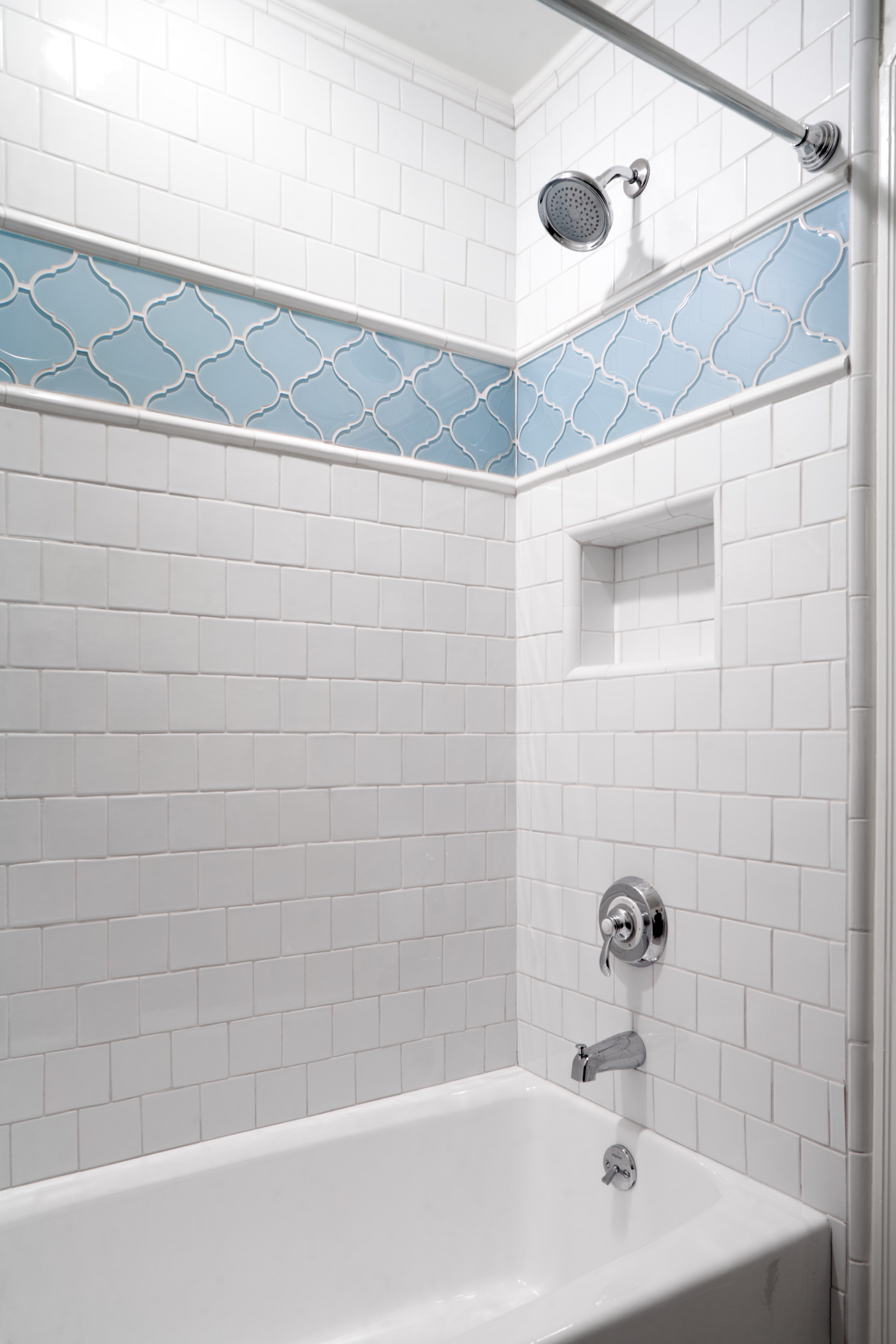 Tiled Shower And Tub For Tiny Bathroom Makeover (Image 13 of 17)
