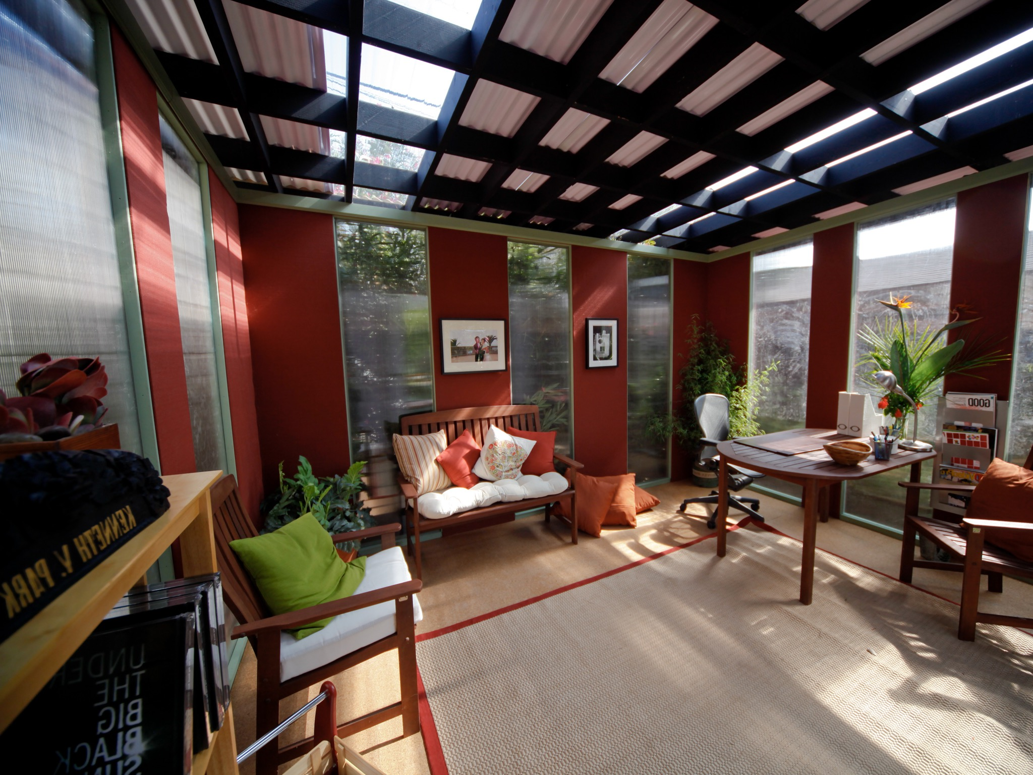 Tropical Home Office Decor With Skylights (Image 23 Of 30)