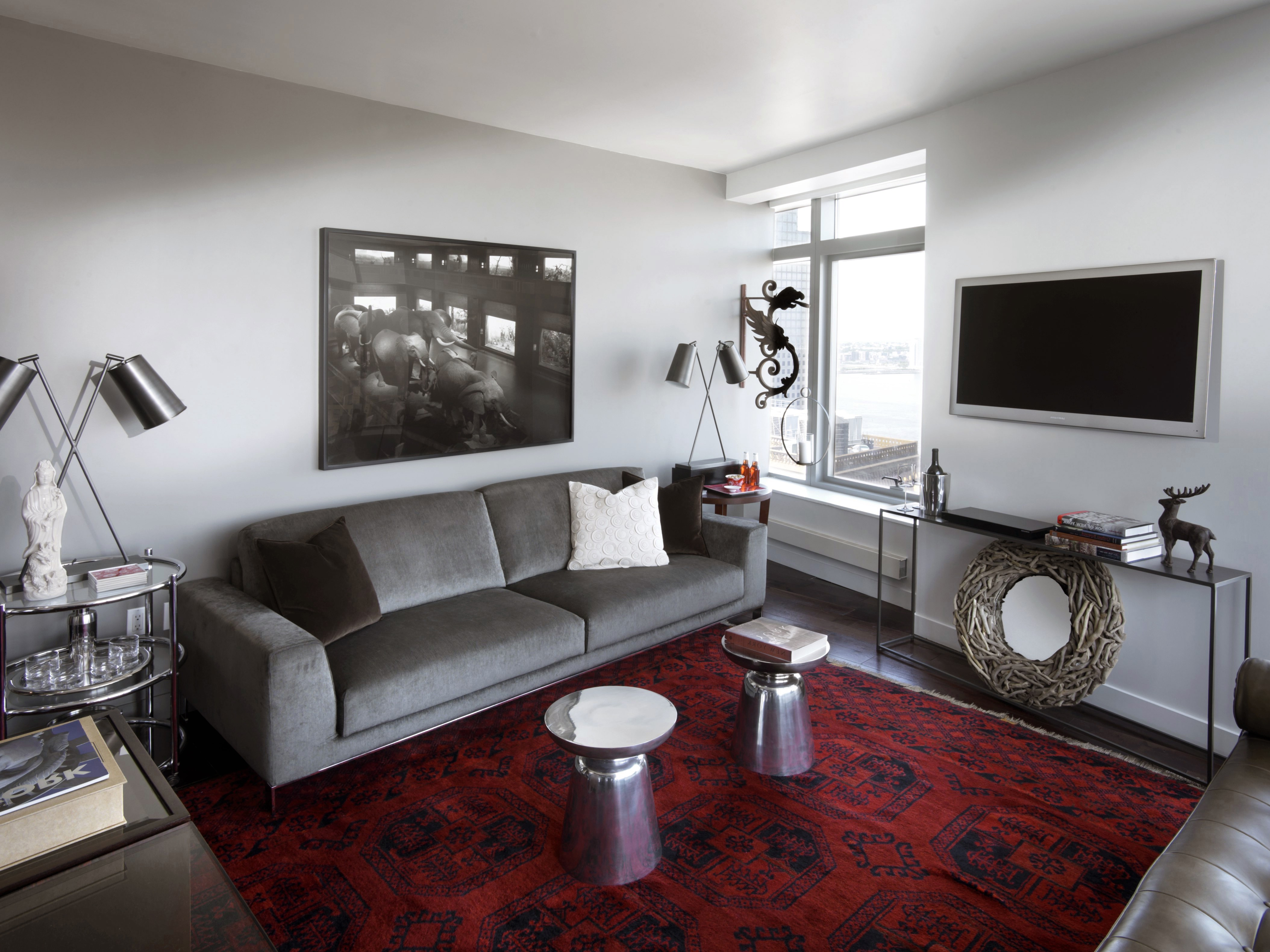 Urban Apartment Living Room With Ethnical Accents (Image 15 of 15)