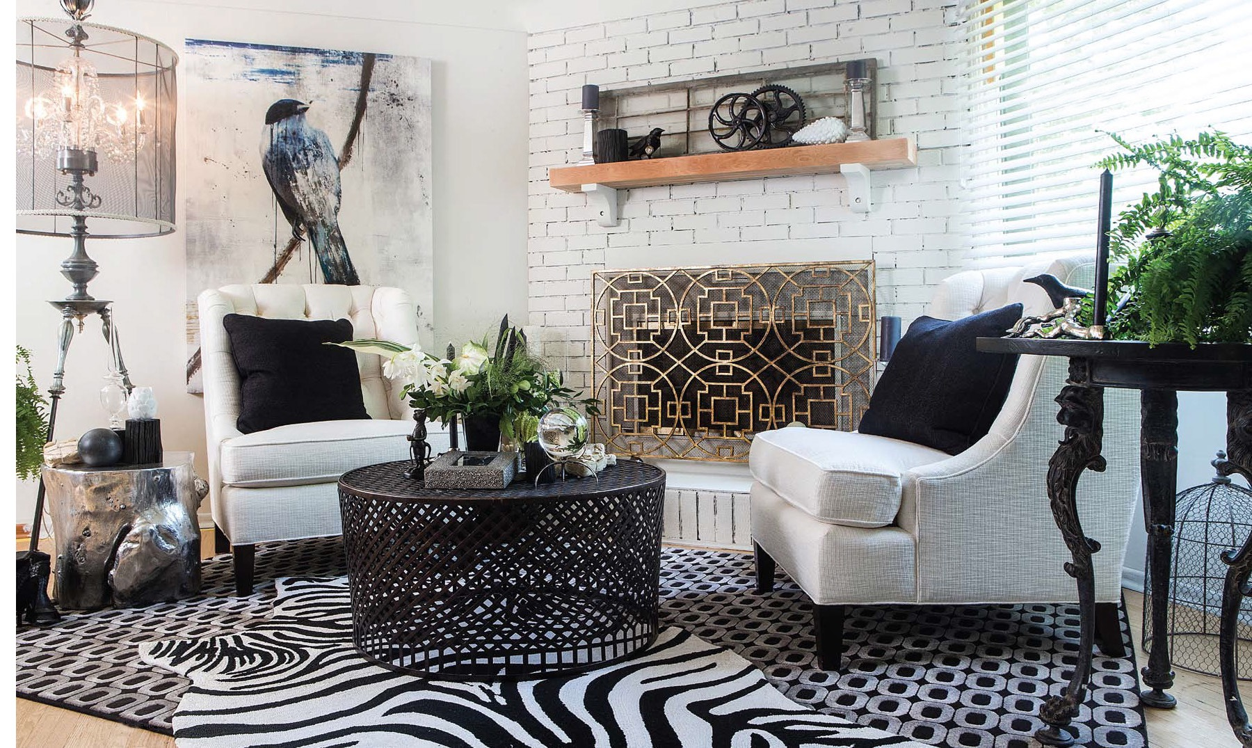 Black And White Ethnical Living Room Decor Style (Image 2 of 15)