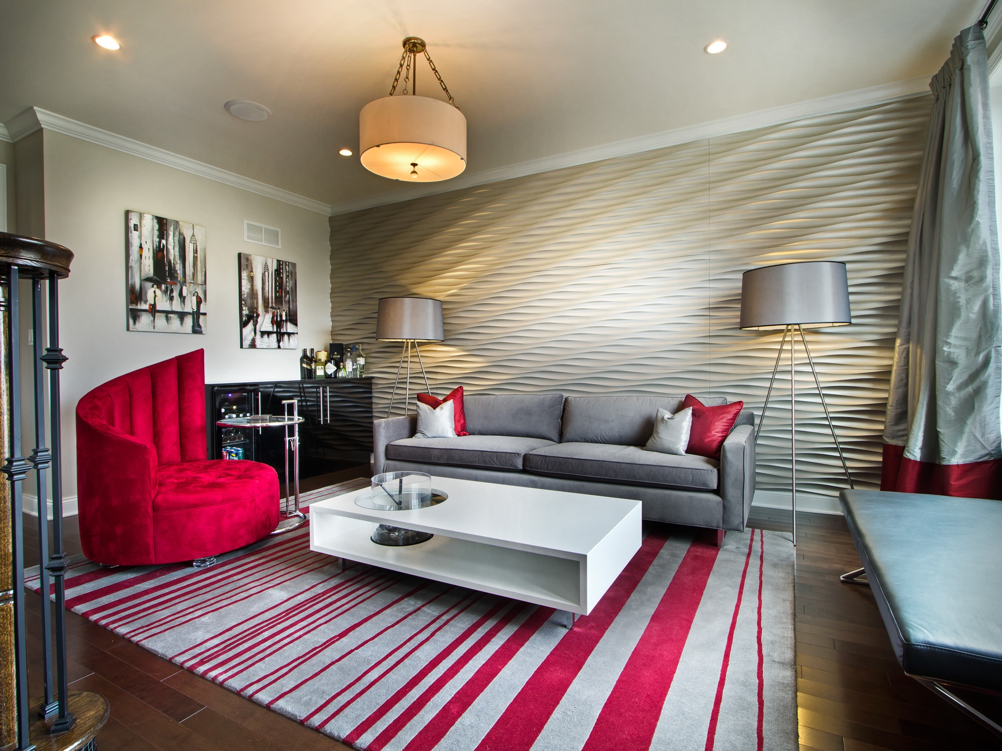 Bold Silver And Red Color Scheme For Textured Modern Living Room Wall Decor (Image 3 of 20)