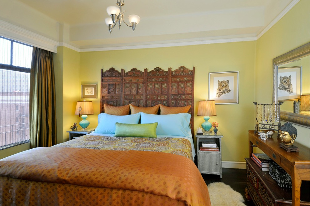 Cozy And Romantic Indian Bedroom Interior (View 3 of 30)