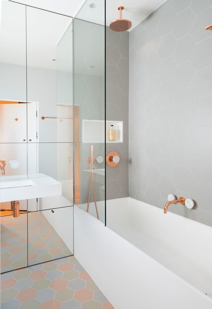 Cozy Design For Modern Tiny Bathroom Renovation (Image 3 of 17)