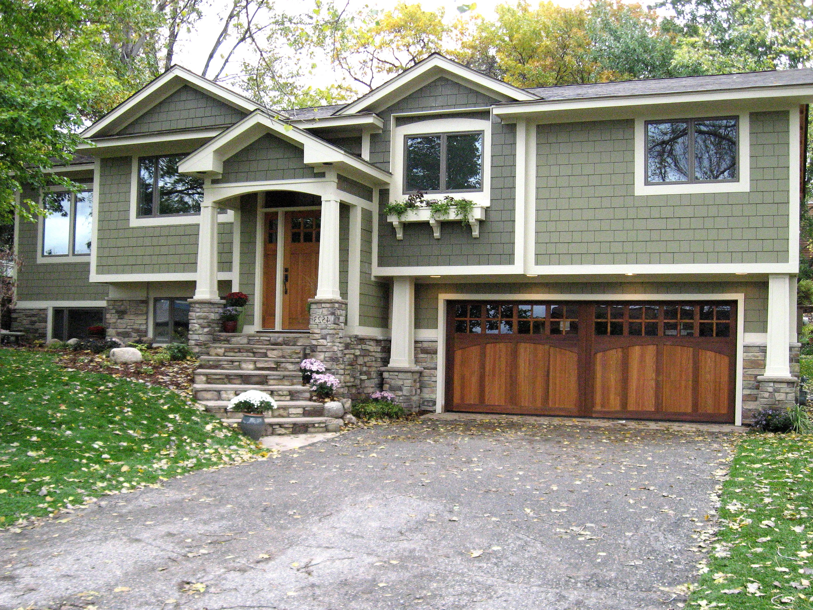 Custom Wooden Carriage Garage Doors For Two Car Garage (Image 12 of 38)