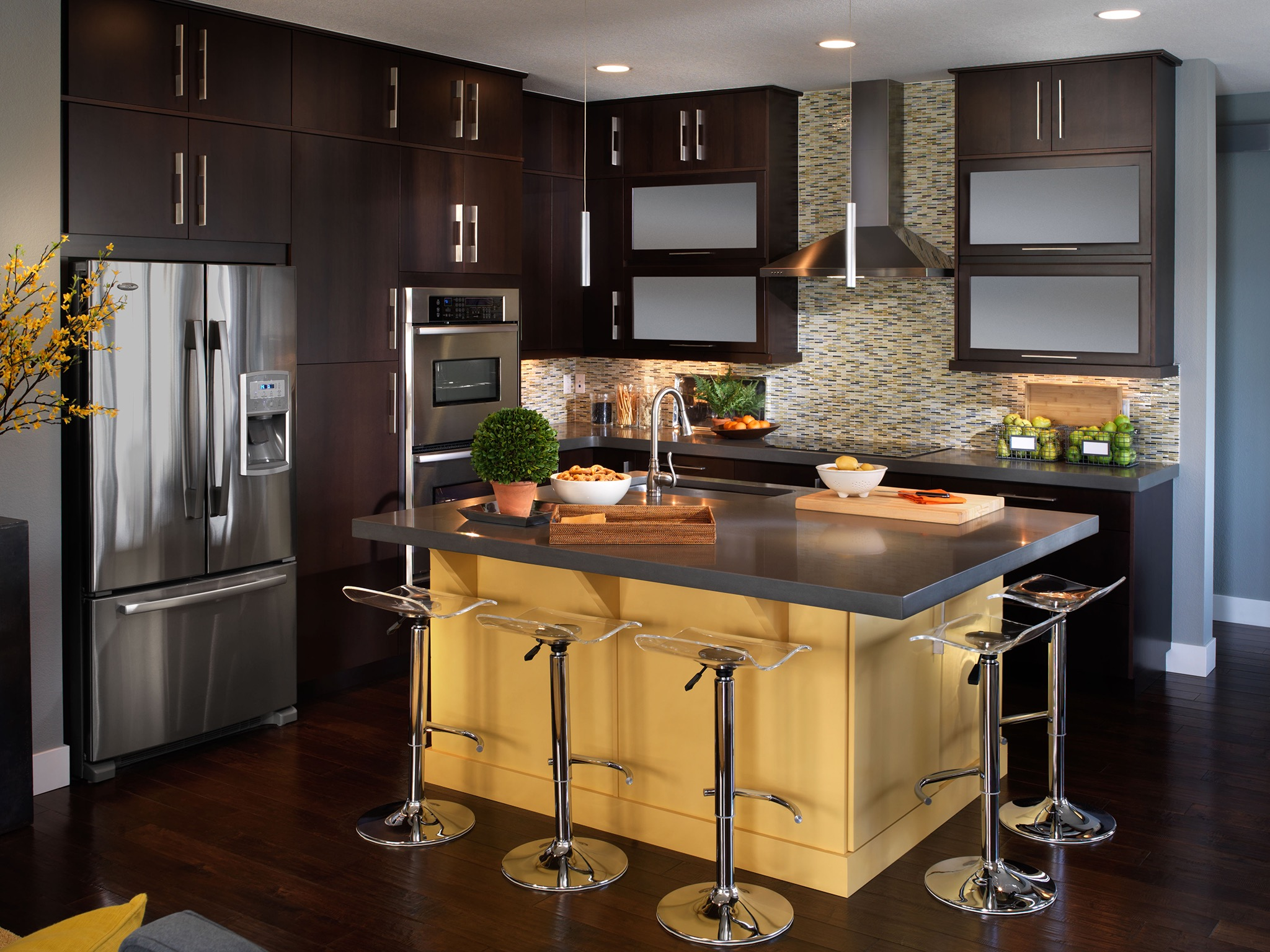 Dark Cabinetry For Contemporary Kitchen (Photo 7 of 18)