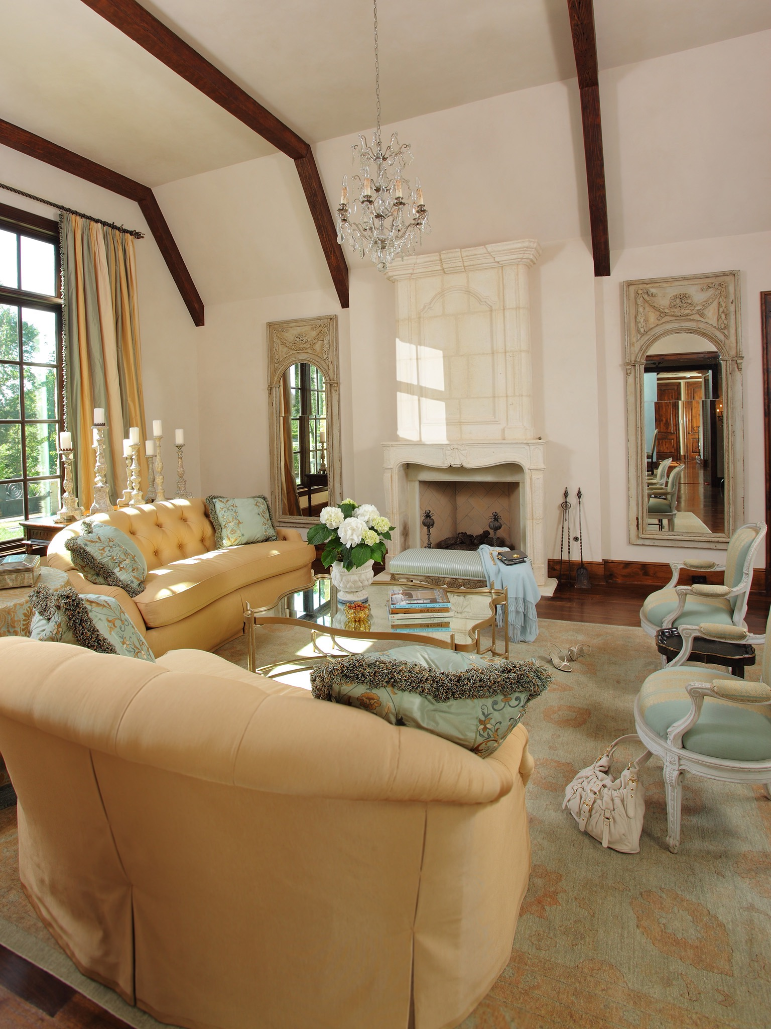 Italian Living Room Design: Living Room: 20 Elegant Italian Living Room Interior