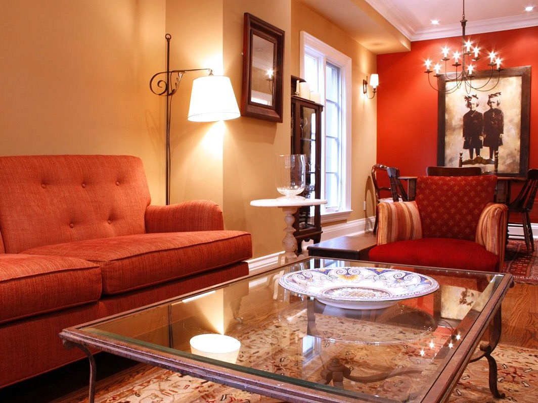 Italian Living Room Apartment Decoration In Red Color Theme (Image 11 of 20)