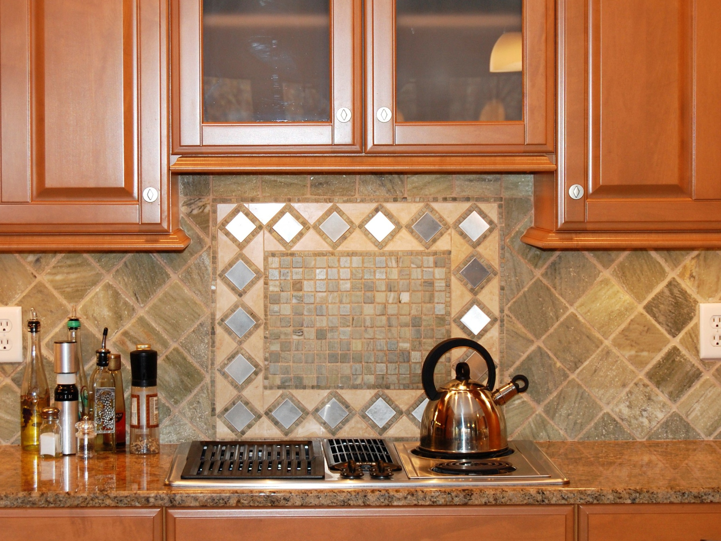 Kitchen Backsplash From Diamond Shaped Stainless Steel Accent Tiles (Image 14 of 32)