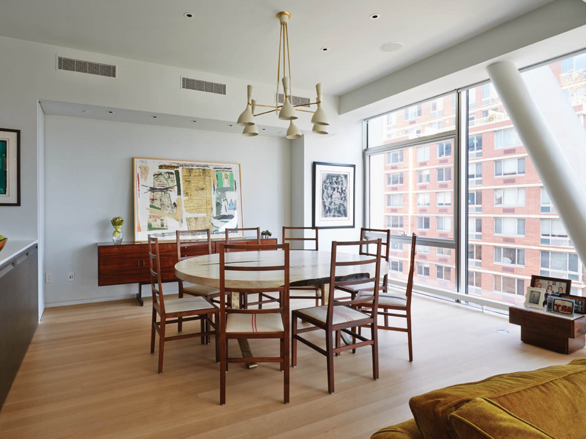 Minimalist Apartment Dining Room With 8 Chairs And Round Table (Image 20 of 25)