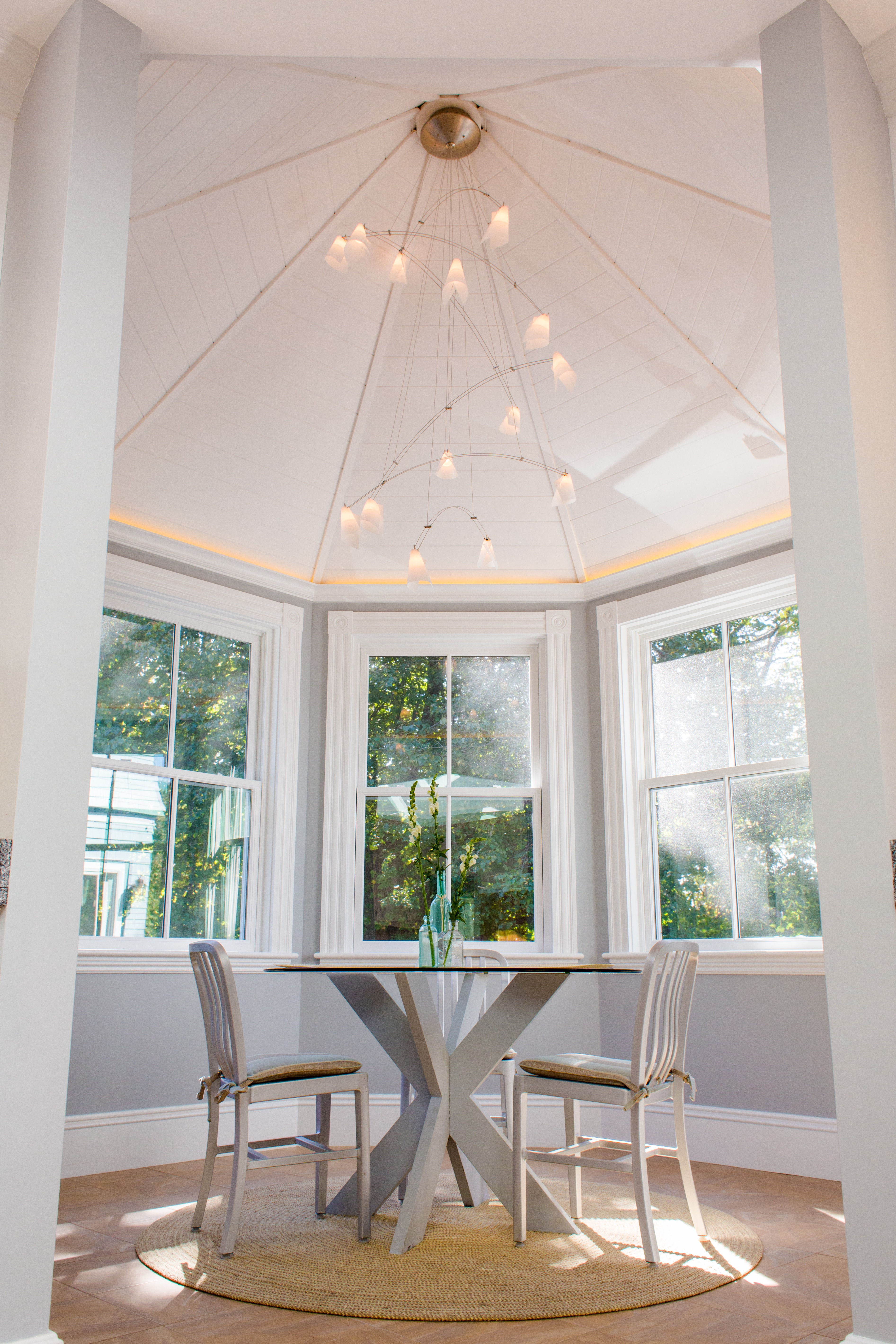 Modern Domed Ceiling For Dining Room Interior (View 23 of 31)