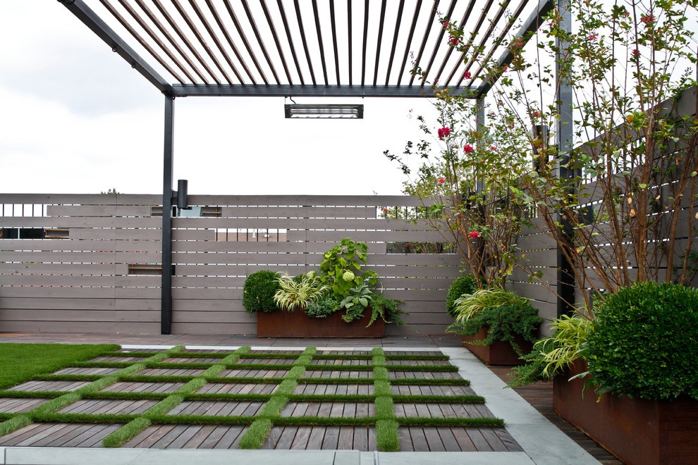 Modern Japanese Inspired Backyard Garden (Image 9 of 10)