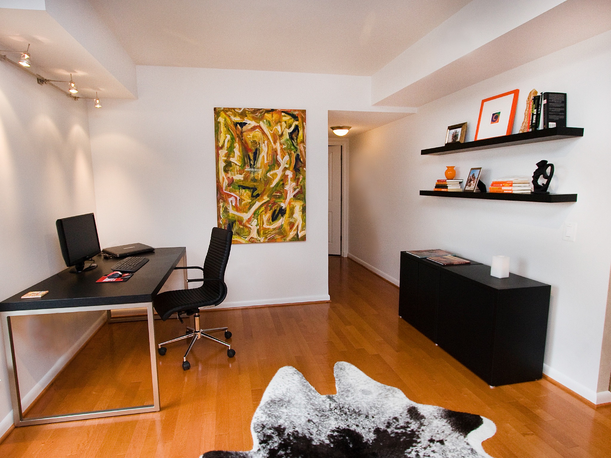 Modern Apartment Home Office With Flat Table (Image 28 of 50)
