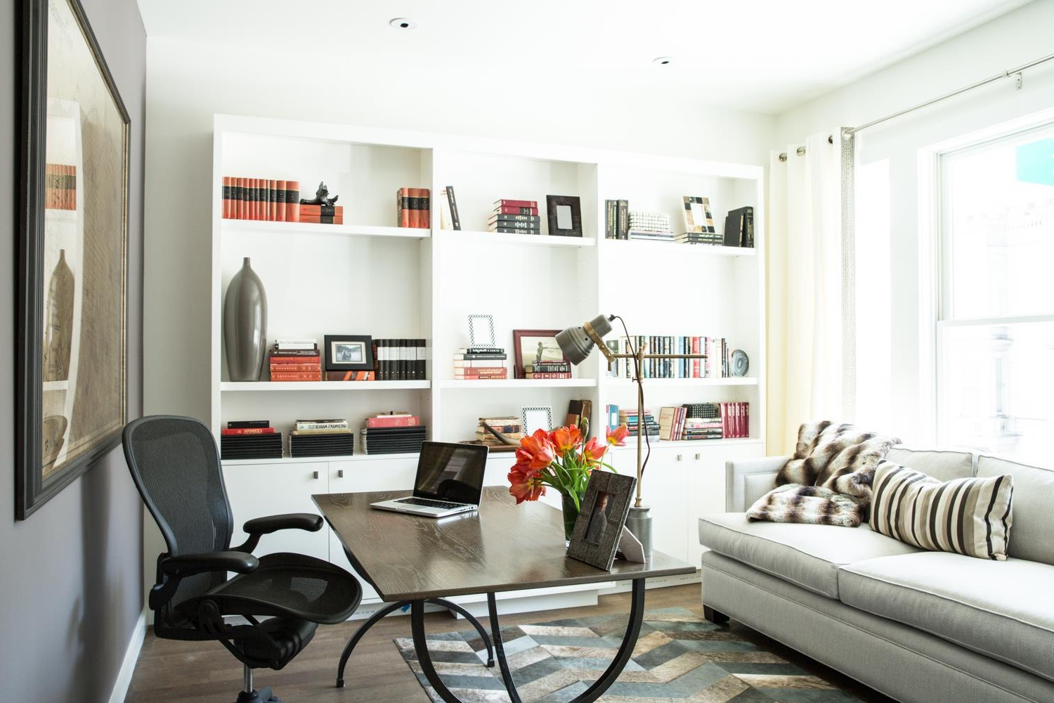 Modern Home Office With Modern Sofa (View 33 of 50)