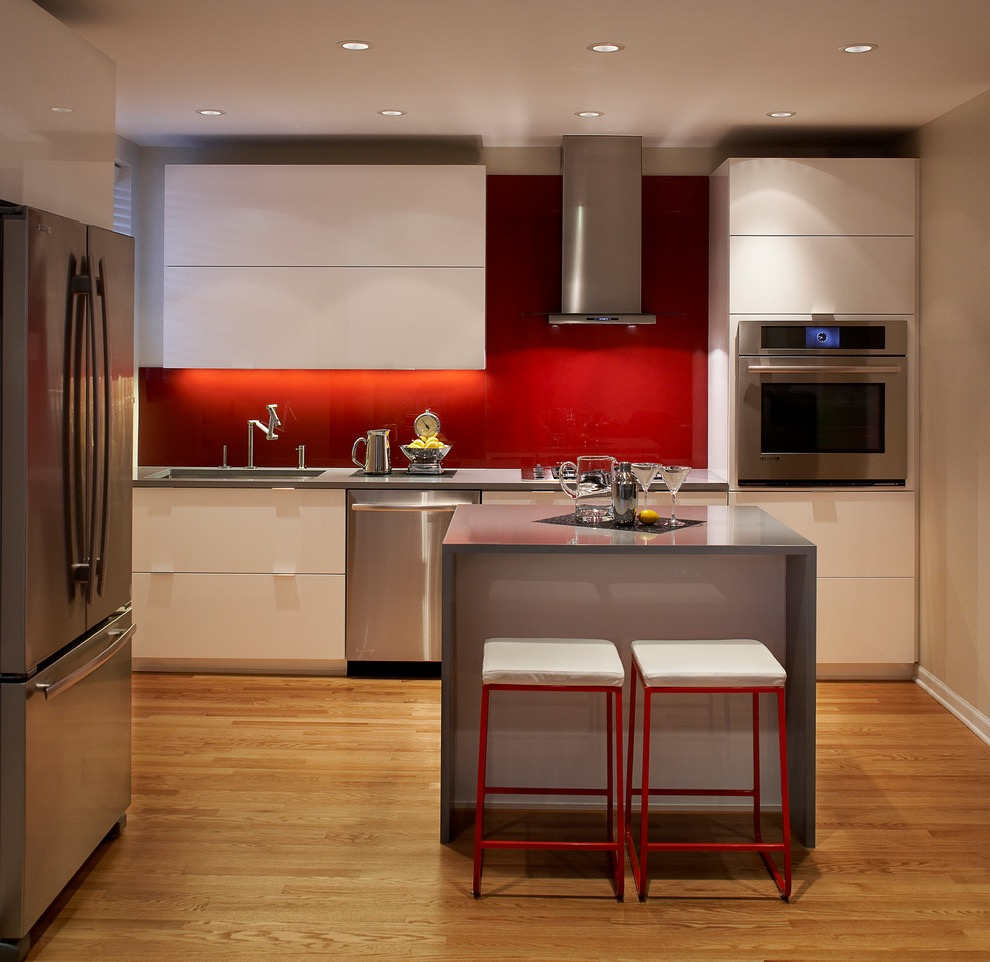 Modern Minimalist Apartment Kitchen With Stainless Steel Appliances (View 22 of 30)