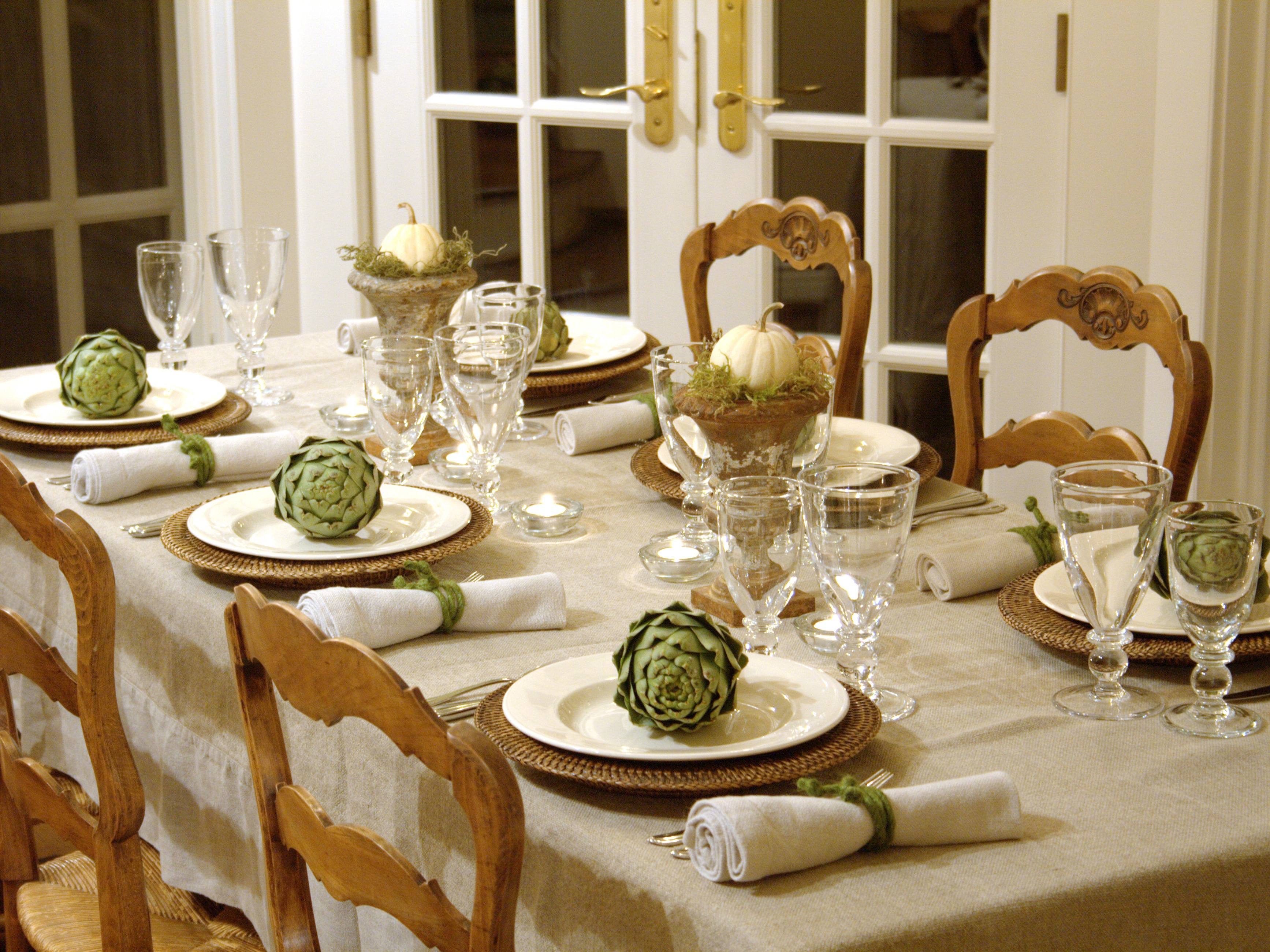 Rustic Dining Room Decor For Christmas (Image 27 of 32)