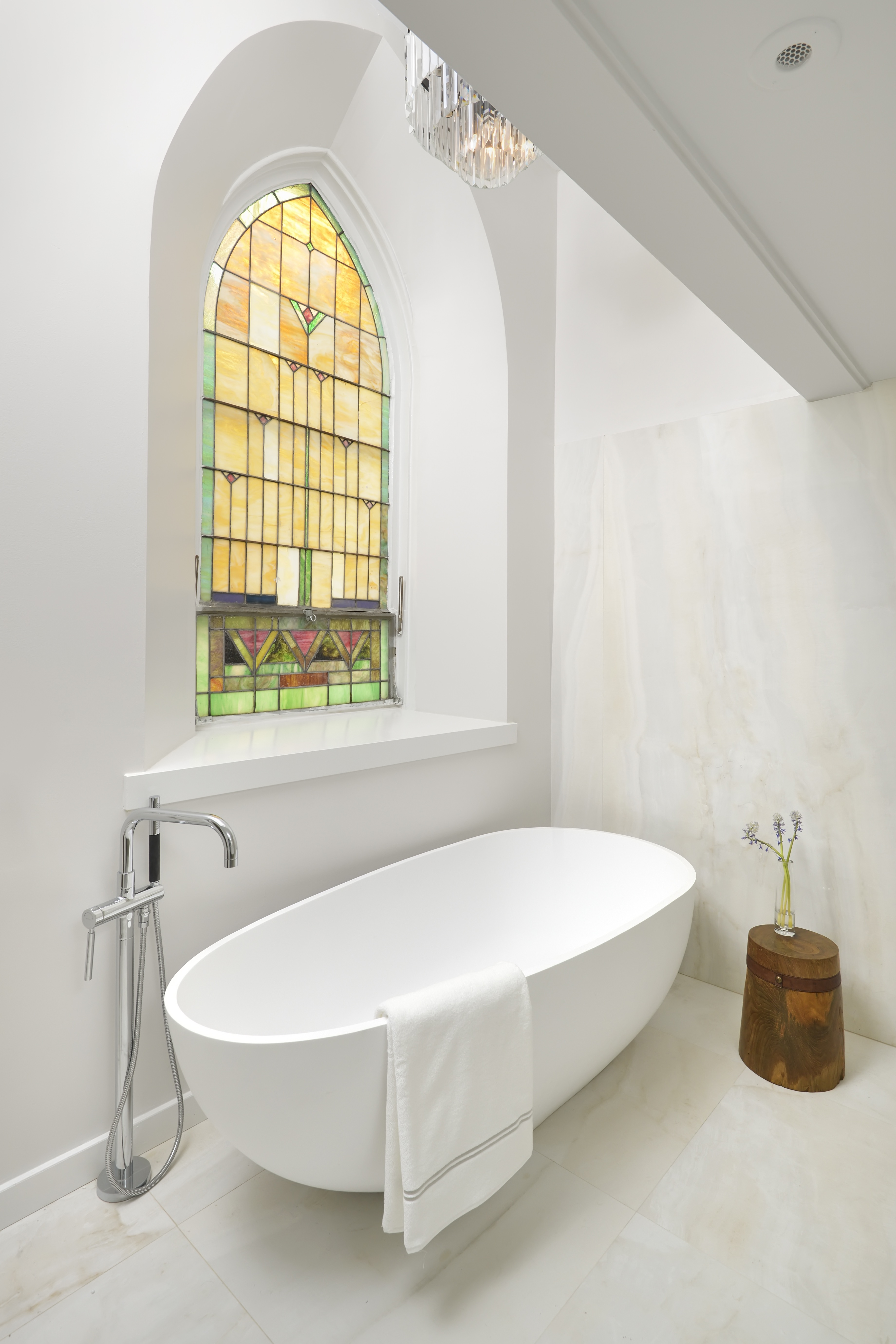 Small Attic Bathroom Remodel In Minimalist Style (Image 7 of 17)