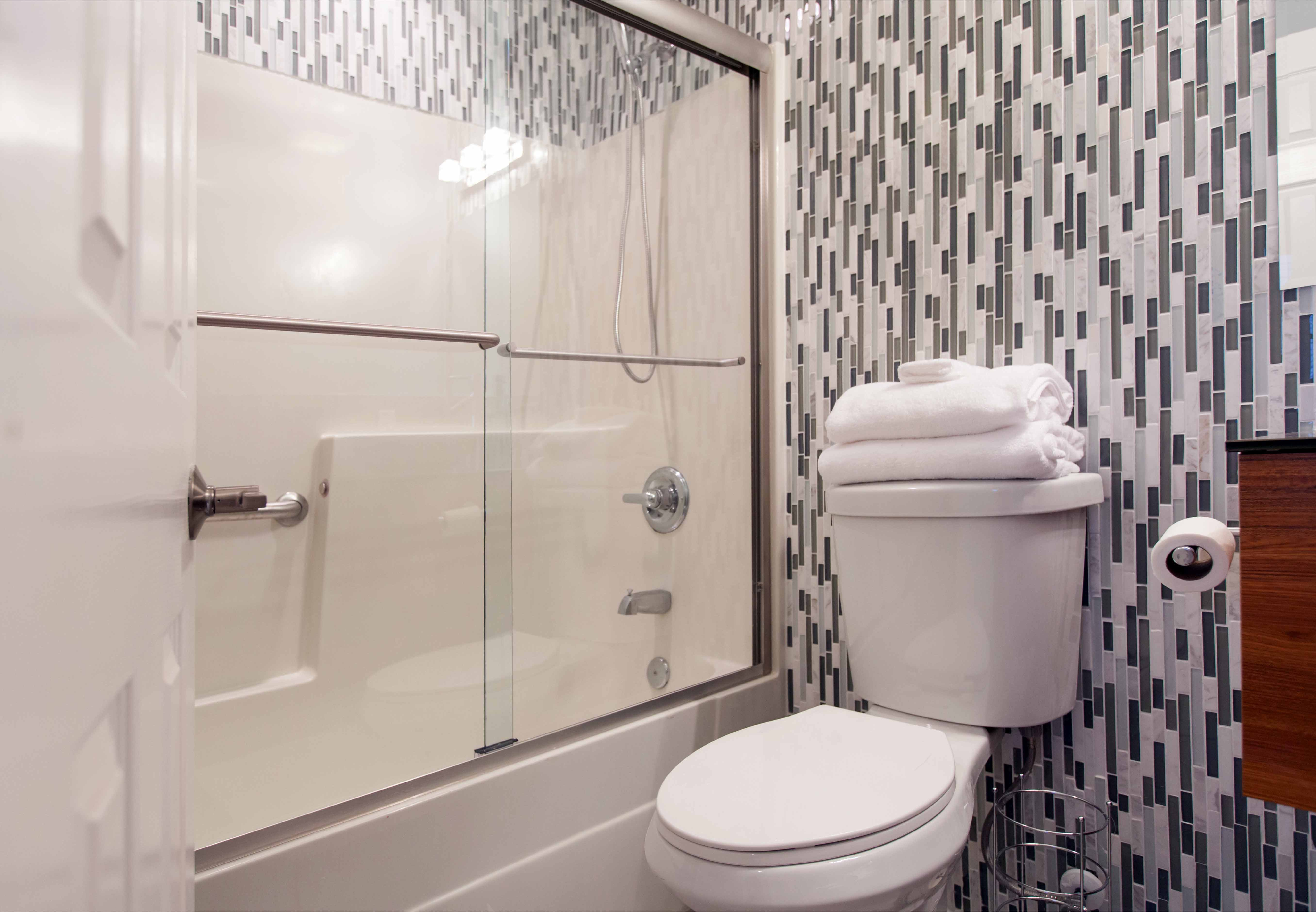 Small Bathroom Renovation With Shower And Bathtub Combo (Image 10 of 17)