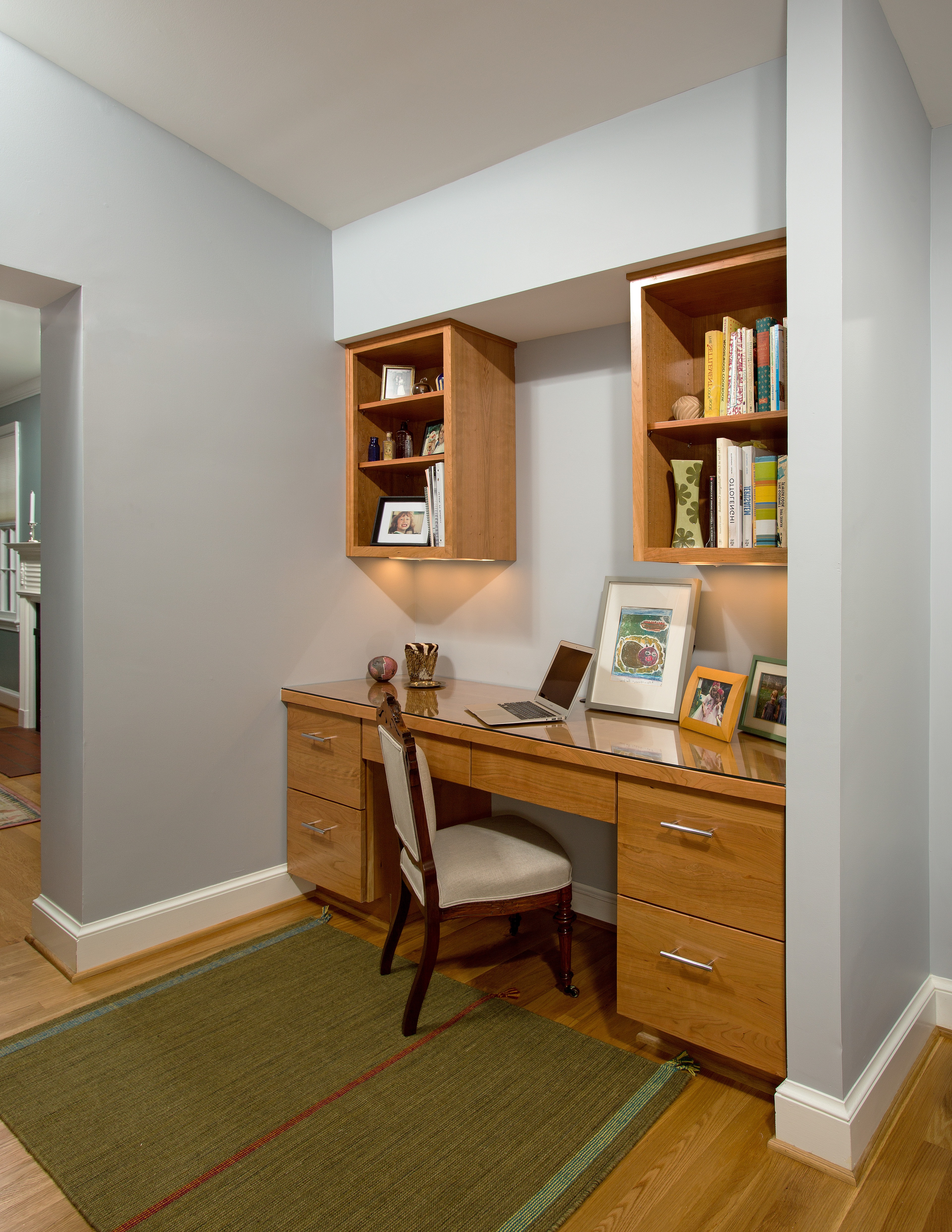 Smart Modern Home Office Decor In The Corner (View 49 of 50)