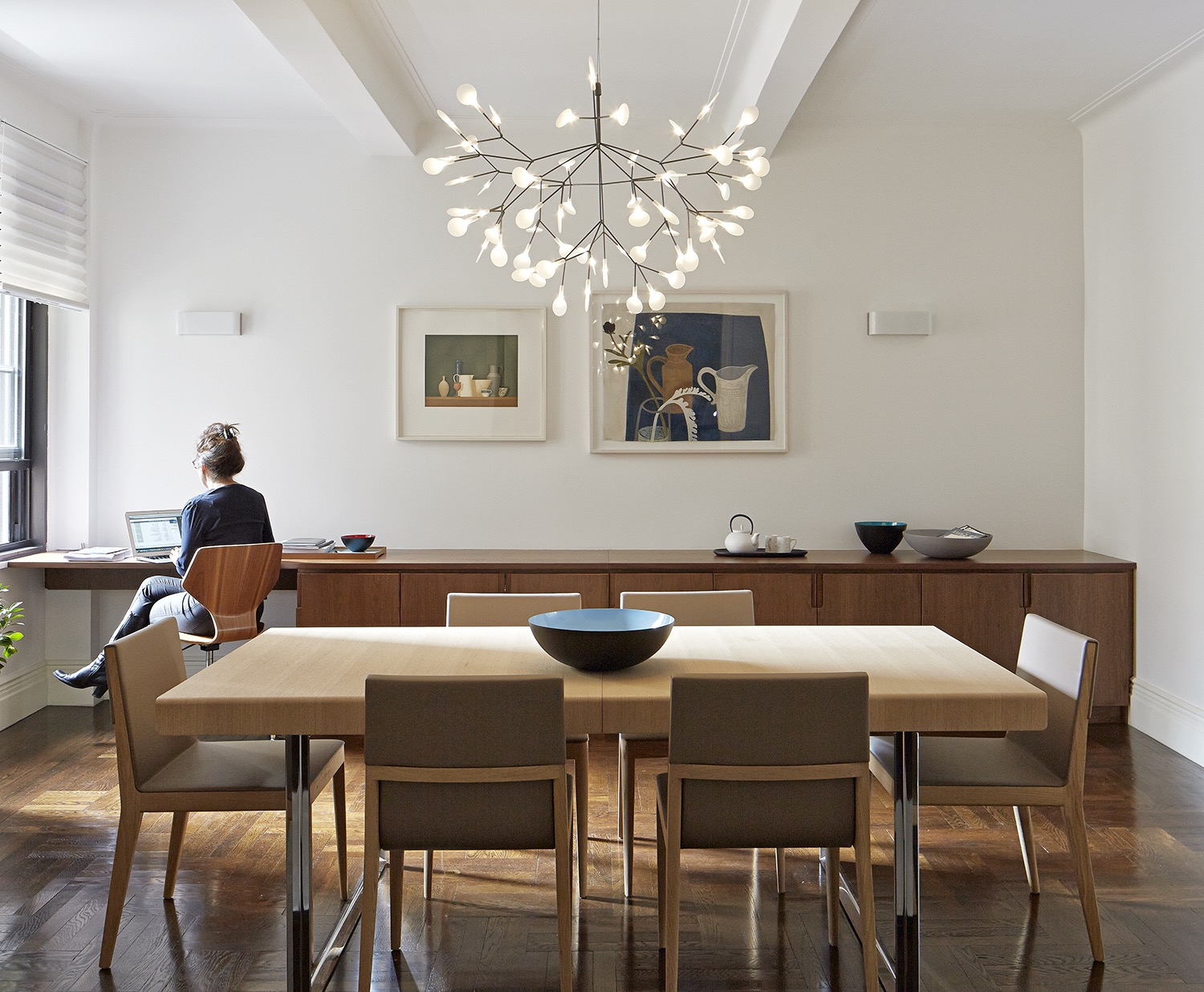 Stunning Modern Dining Room With Contemporary Lighting (Image 30 of 30)
