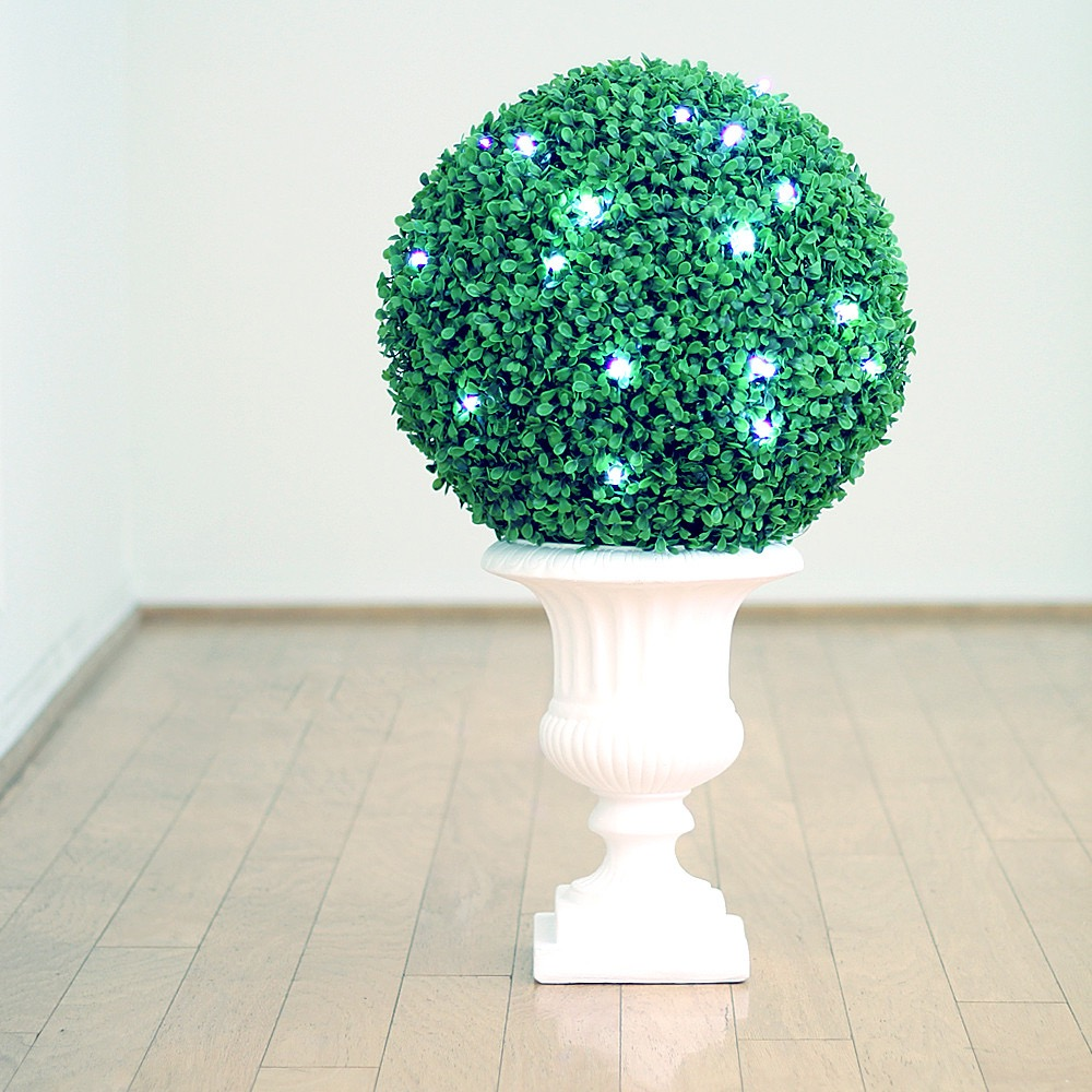 Boxwood Kissing Ball Centerpieces With Decorative LED Light (Image 4 of 35)