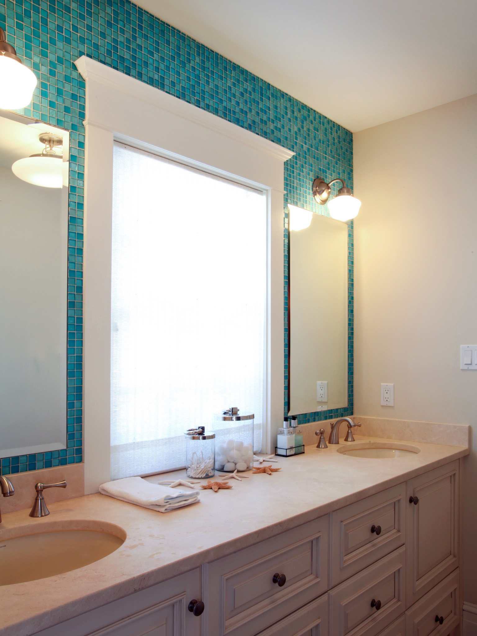 Modern Blue Mosaic Tile Bathroom Gallery - Bathroom Design Ideas ...