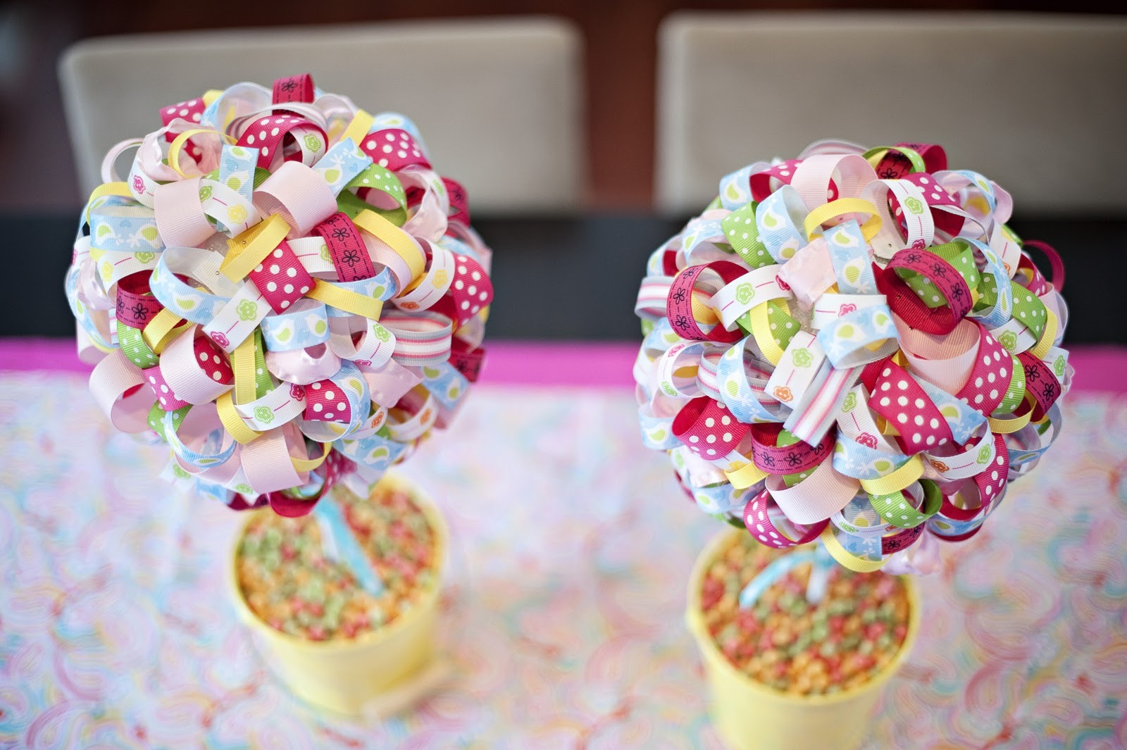 Featured Image of 12 Stylish High/Low Wedding Centerpieces Ideas