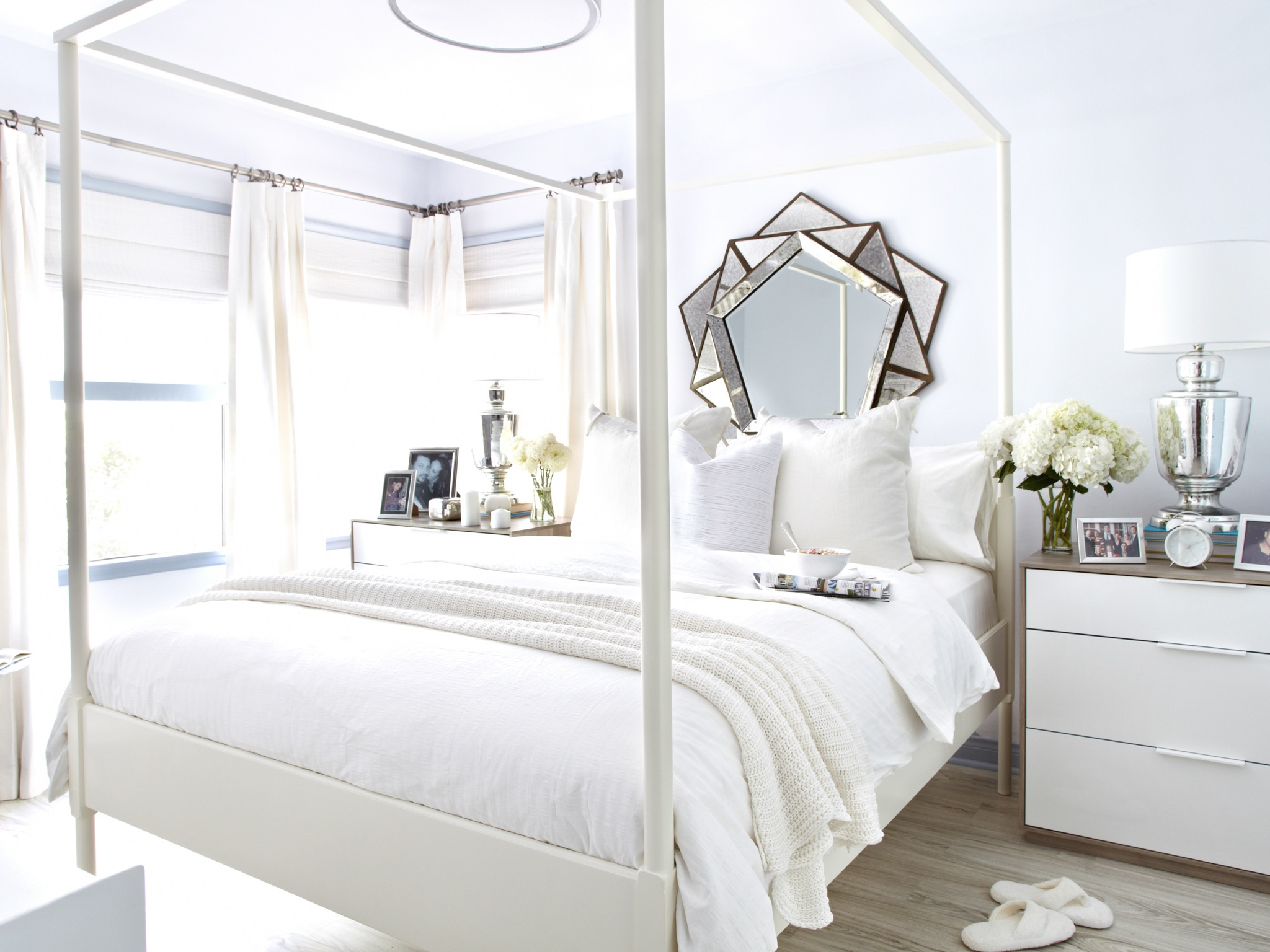 Geometric Mirror Decor For White Bedroom Interior (View 7 of 20)