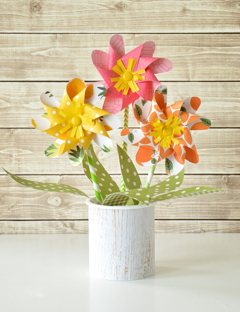 Paper Pinwheel Flowers Centerpiece For Cheap Summer Wedding (Image 9 of 20)