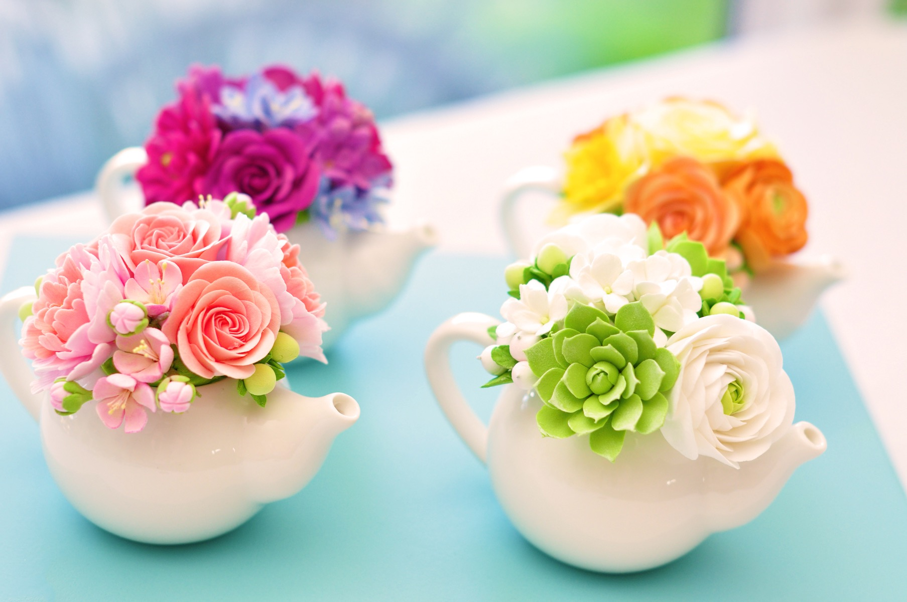 Romantic Pink And Green Tea Pot And Flowers Centerpiece (Image 10 of 15)