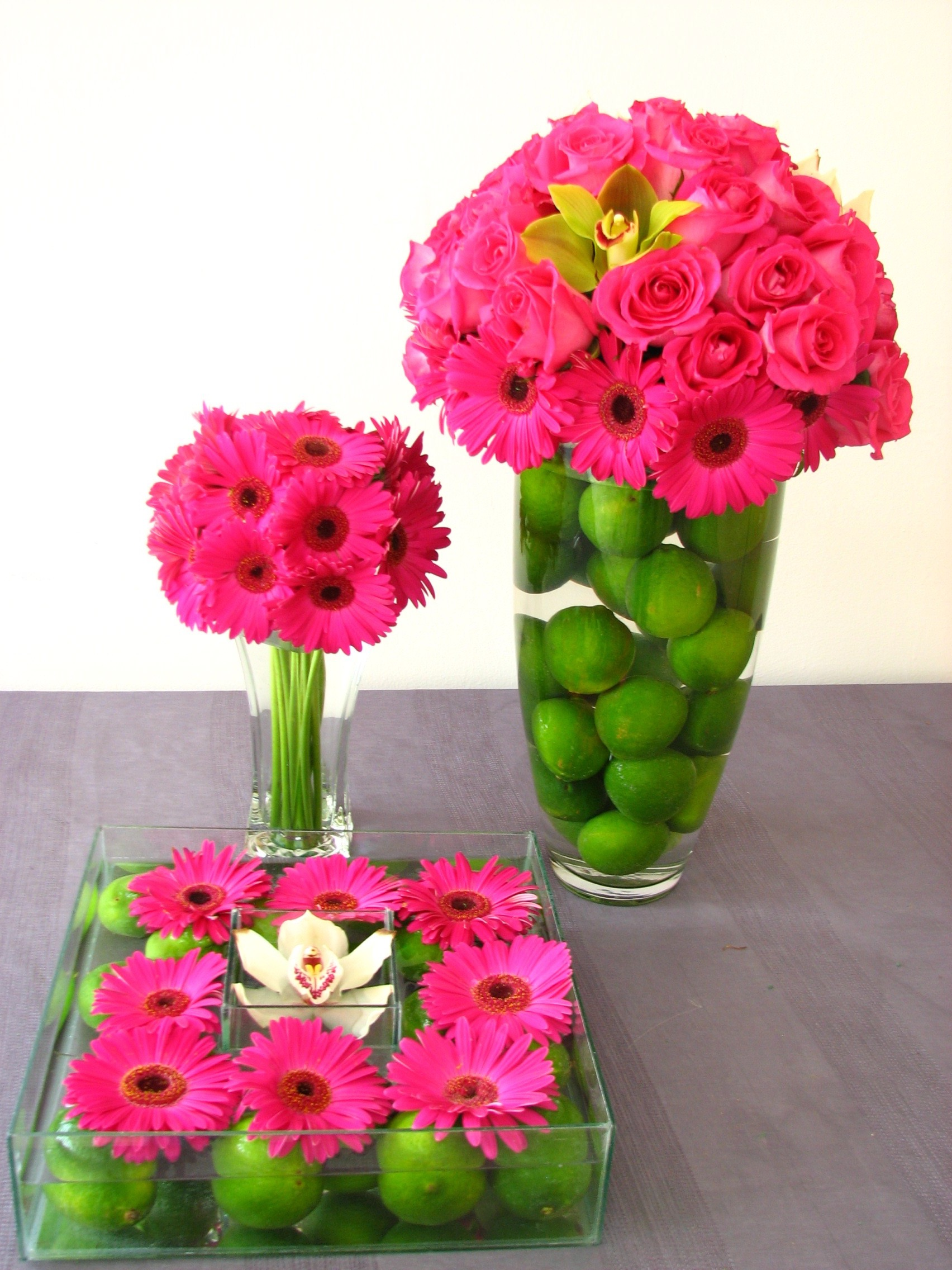 Romantic Pink Flowers And Green Fruits Wedding Centerpieces (Image 13 of 15)