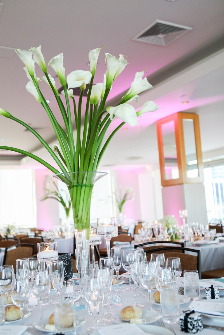 Beauty Tall Tall Calla Lily Flower Glass Vase Wedding Centerpieces (Image 3 of 30)