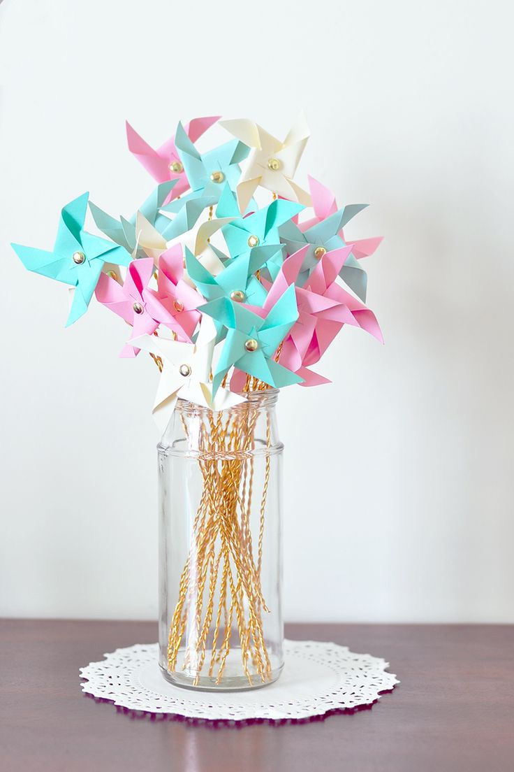 Colorful Paper Pinwheel Centerpiece For Summer Wedding Decoration (Image 2 of 20)