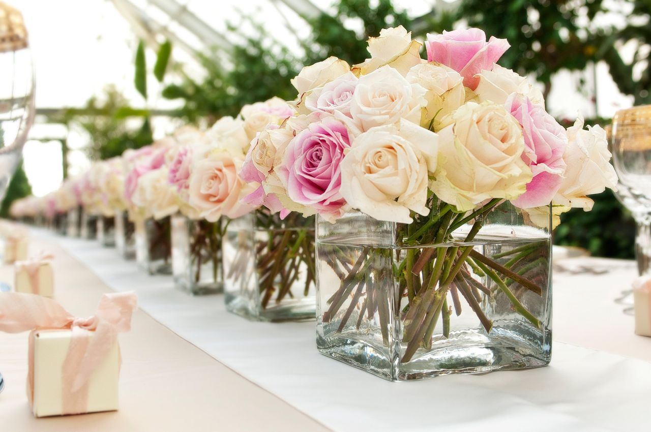 Featured Image of 20 Pretty Summer Wedding Centerpiece Ideas
