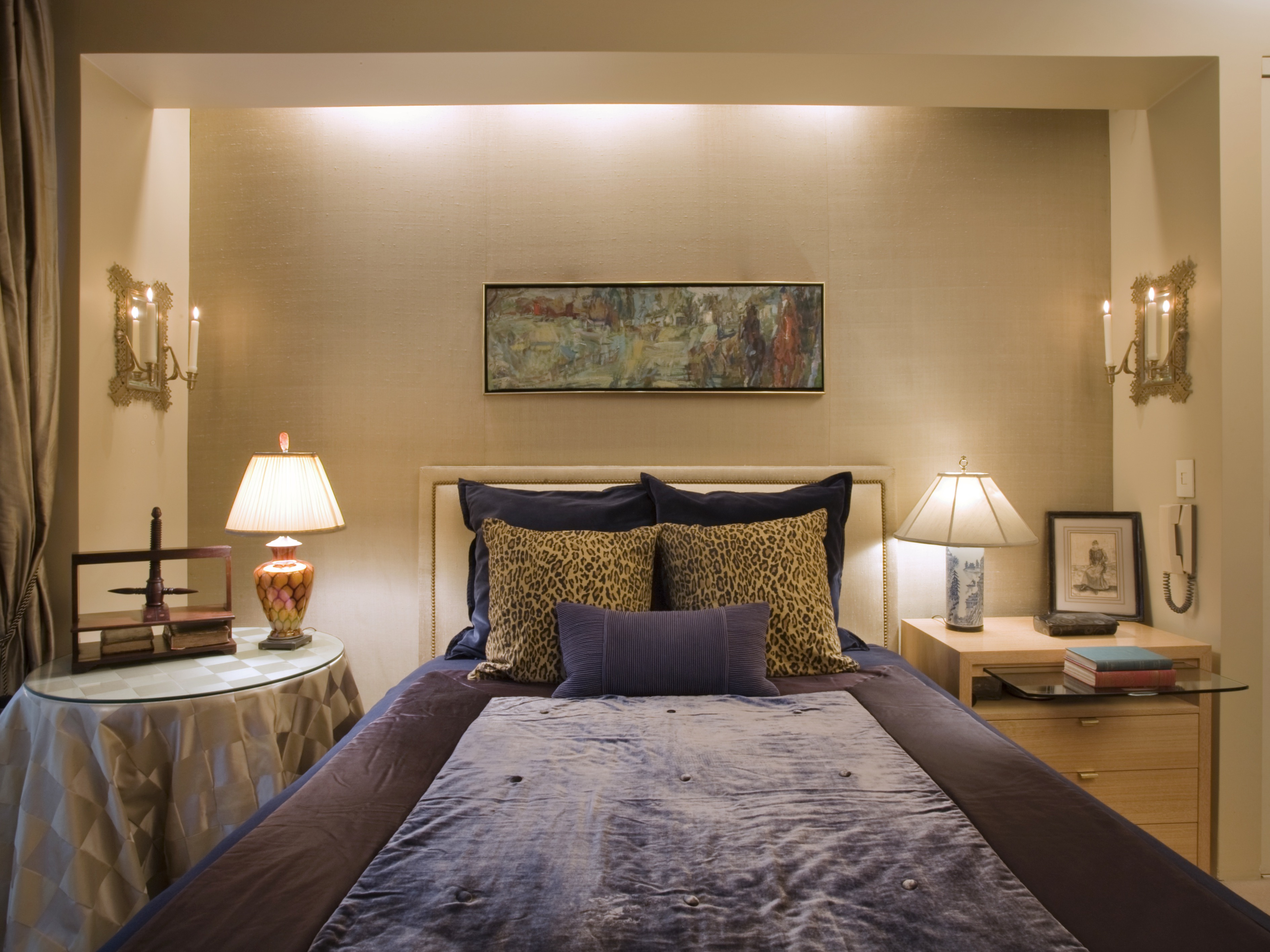 Hotel Style Upholstered Headboard Bedroom Design (Image 18 of 25)