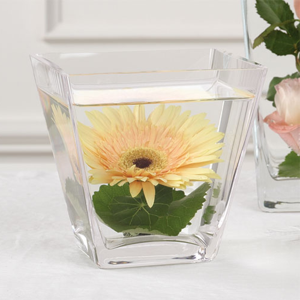 Low Submerged Flowers With Small Vase Wedding Centerpieces (Image 6 of 10)
