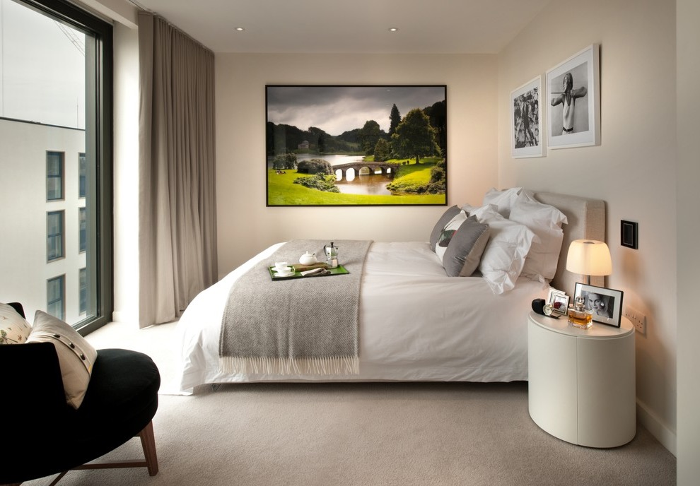 Modern Hotel Style Bedroom Interior (Image 22 of 25)