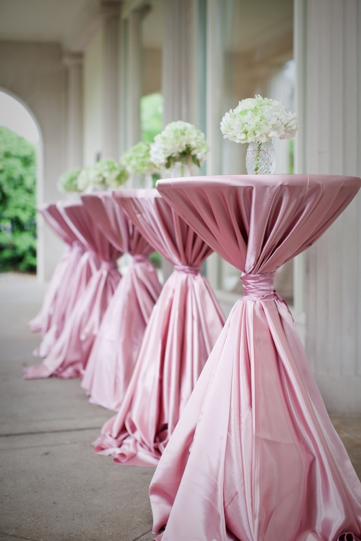 Pretty Summer Wedding Centerpieces (Image 12 of 20)