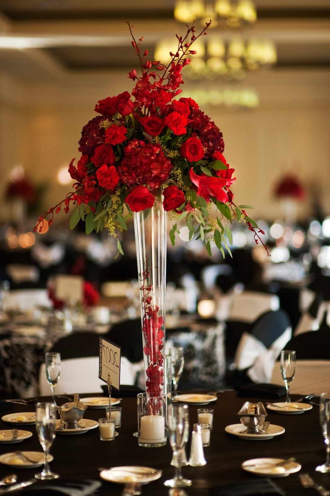 Red Roses Centerpieces For Round Table Weddings (Image 11 of 15)