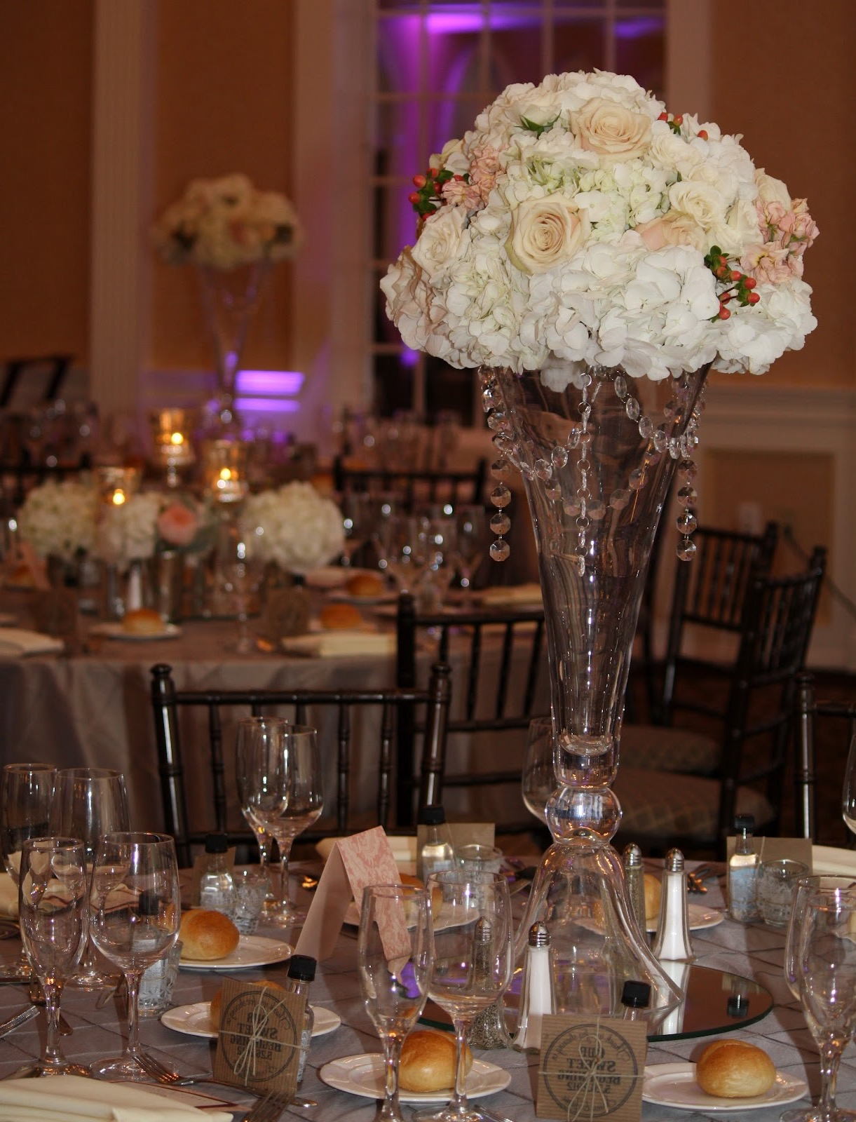 Tall White Flower And Glass Vase Arrangements Centerpieces (View 19 of 30)